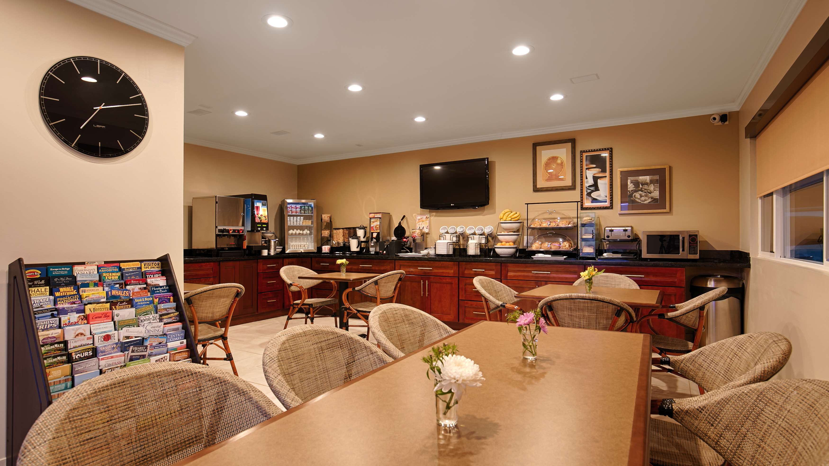 Best Western The Inn & Suites Pacific Grove image 6