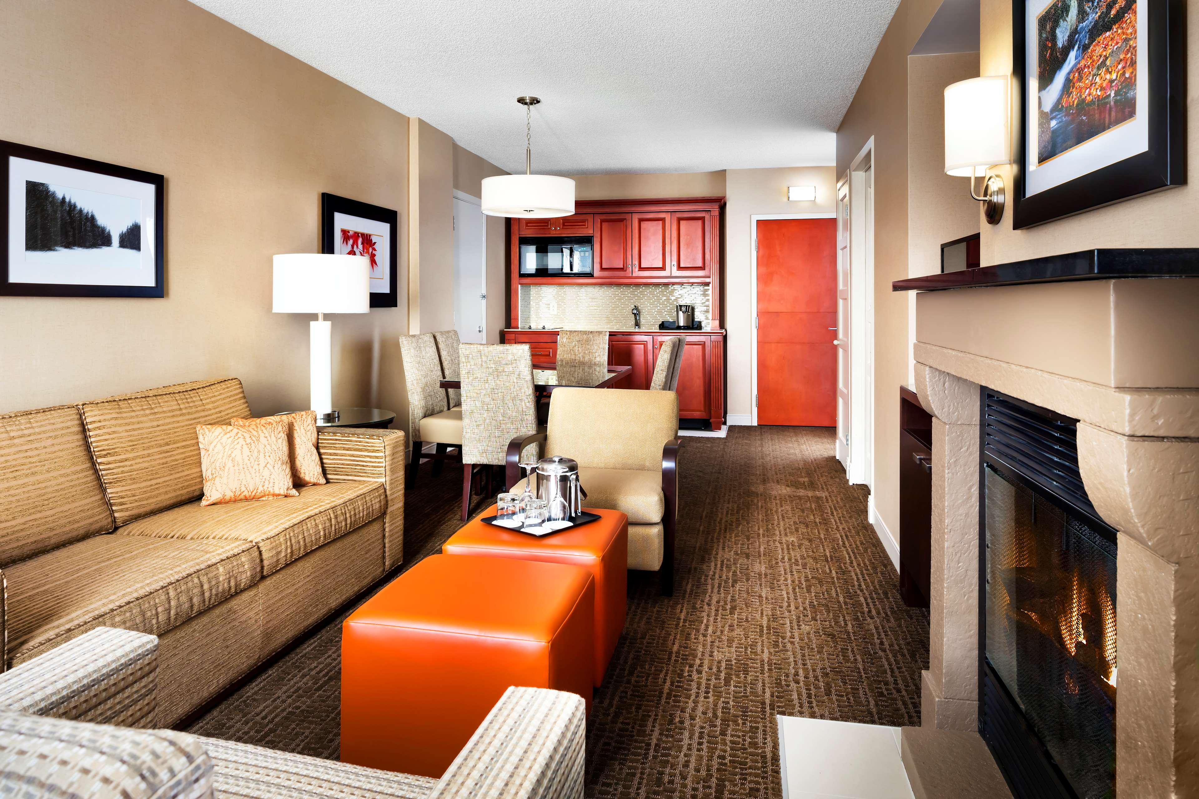 Le Westin Resort & Spa, Tremblant, Quebec à Mont Tremblant: Living Areas - One Bedroom Suite