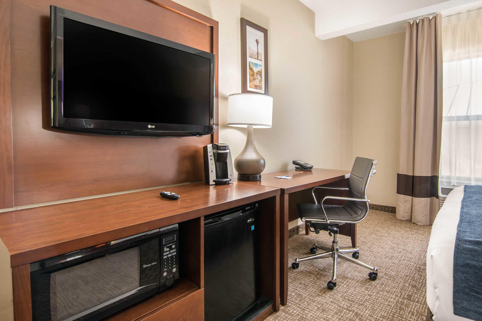 Comfort Inn & Suites Junction City - near Fort Riley image 18