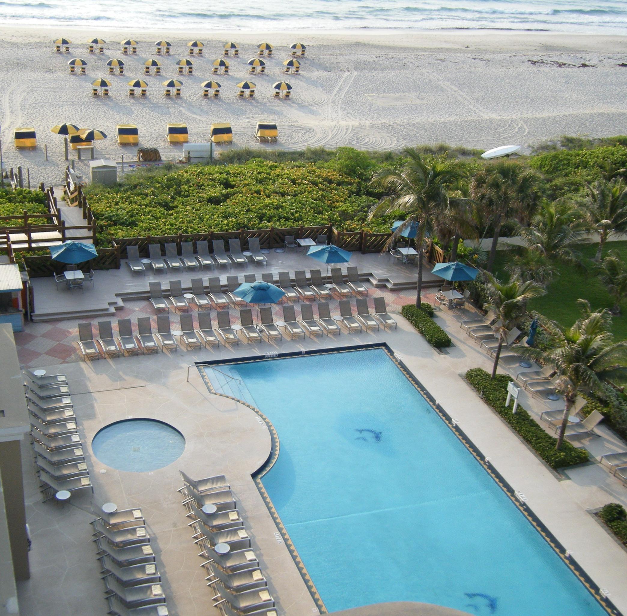 Hilton Singer Island Oceanfront/Palm Beaches Resort image 8