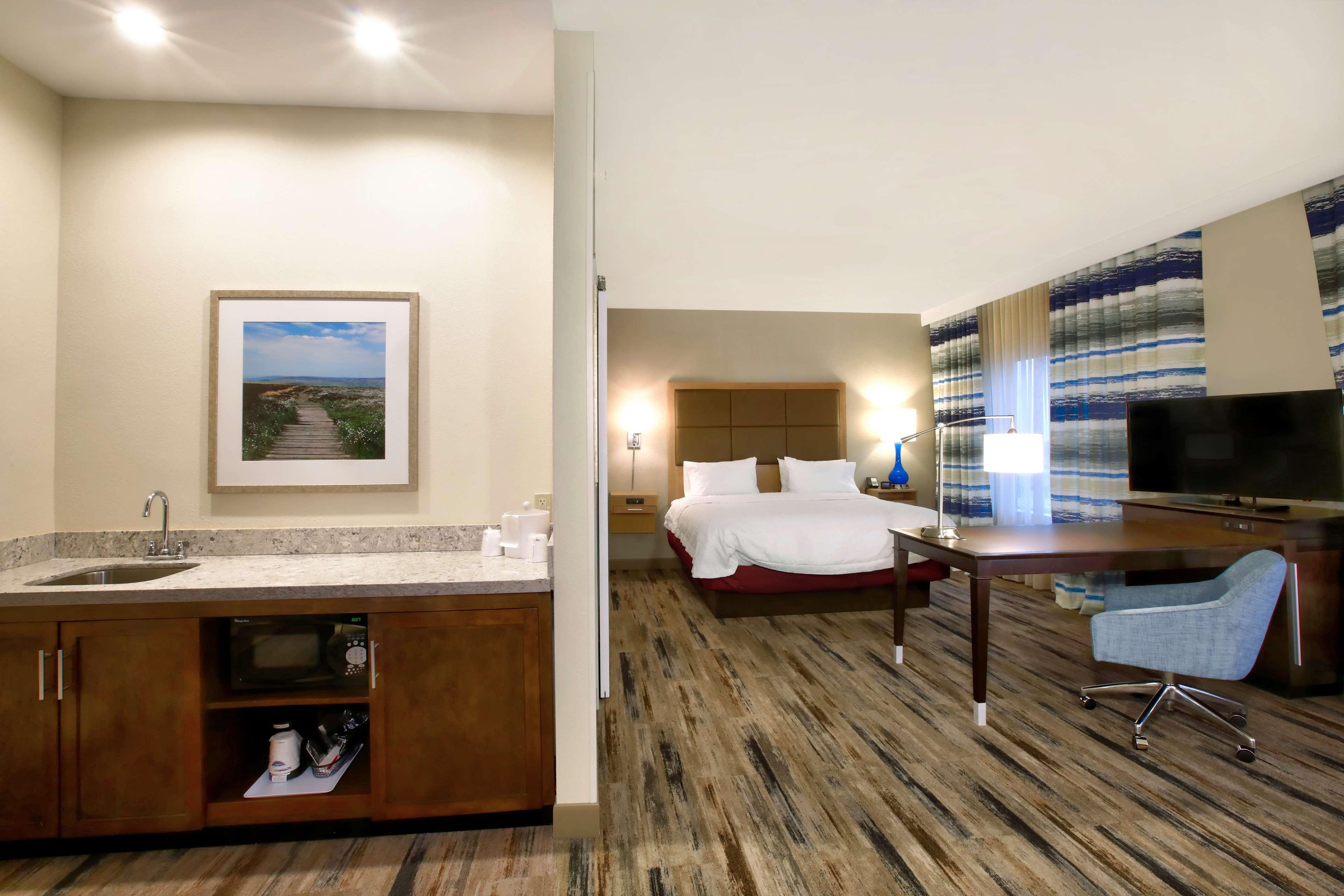 Hampton Inn & Suites Baltimore/Aberdeen image 28