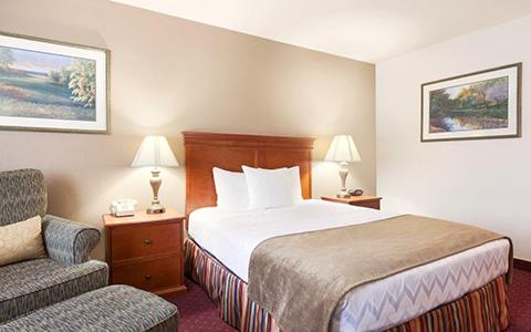 Red Lion Inn & Suites Susanville image 3