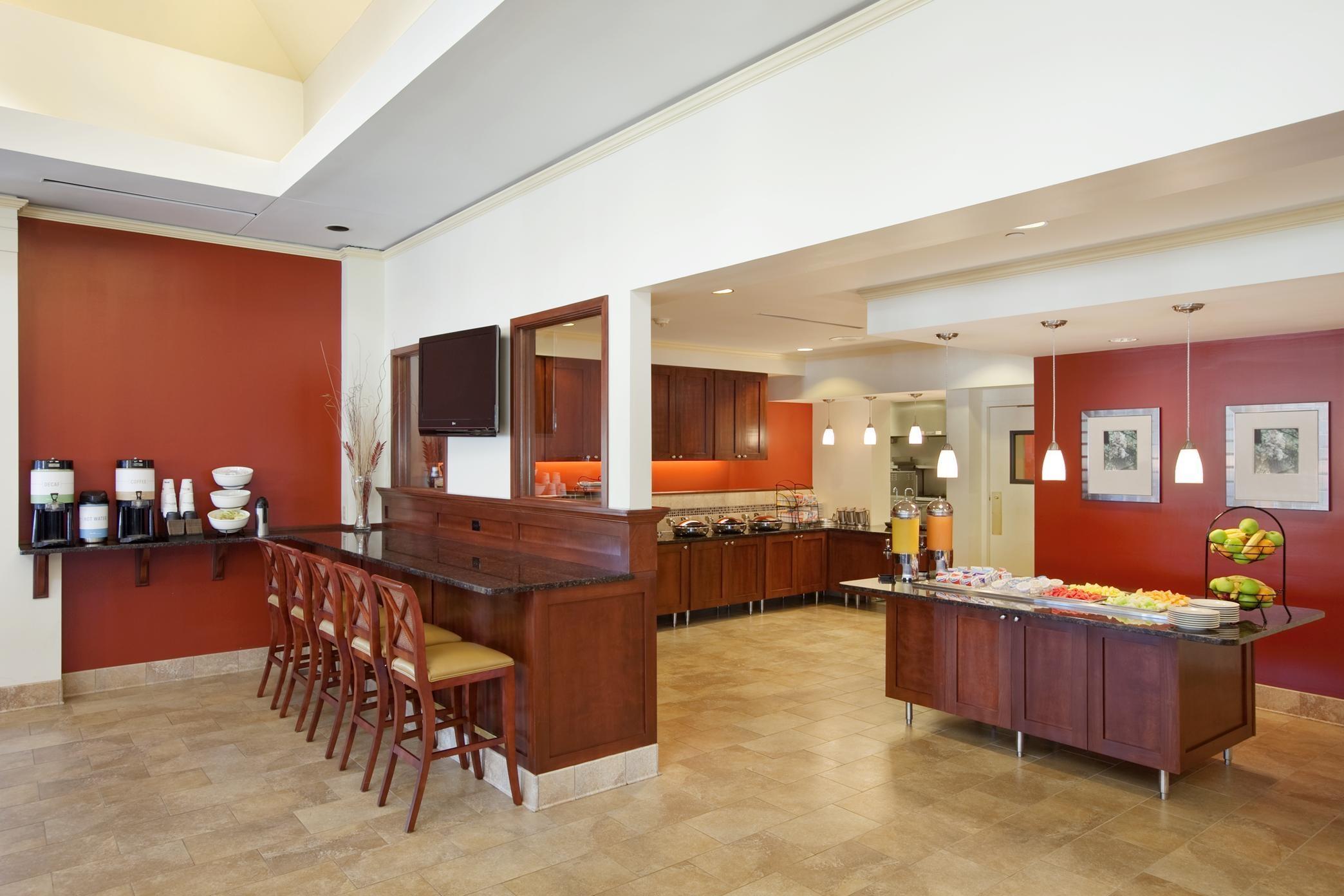 Hilton Garden Inn Chicago/Oakbrook Terrace image 8