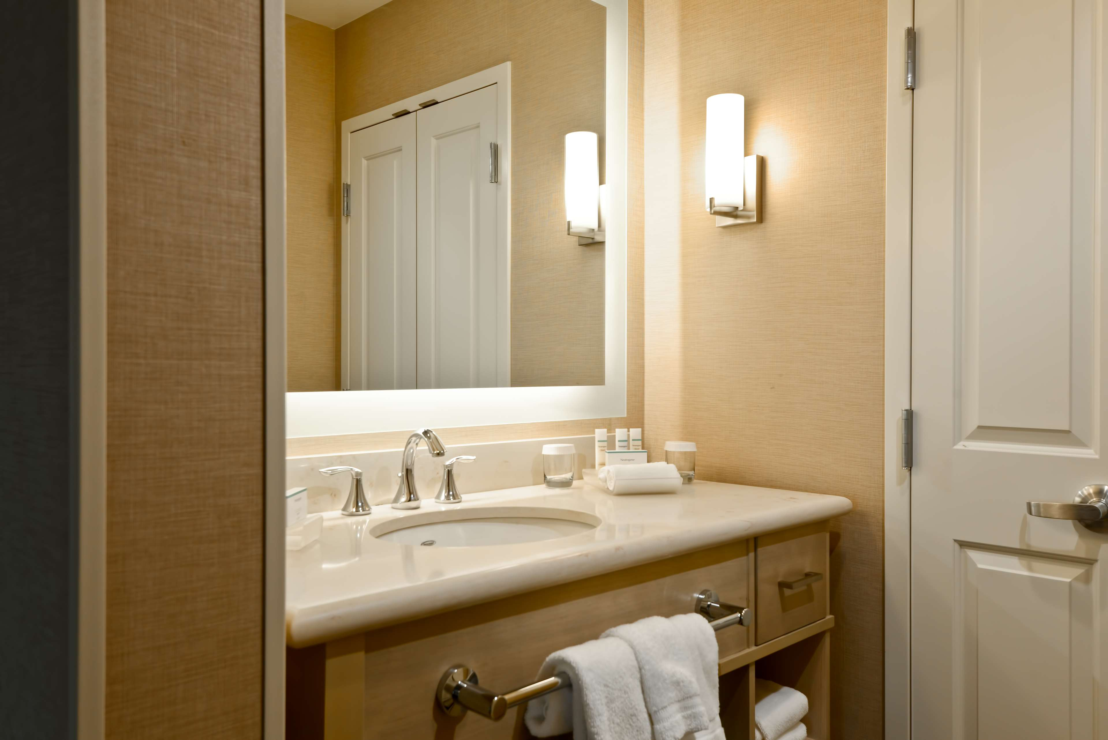 Homewood Suites by Hilton Anaheim Resort - Convention Center image 23