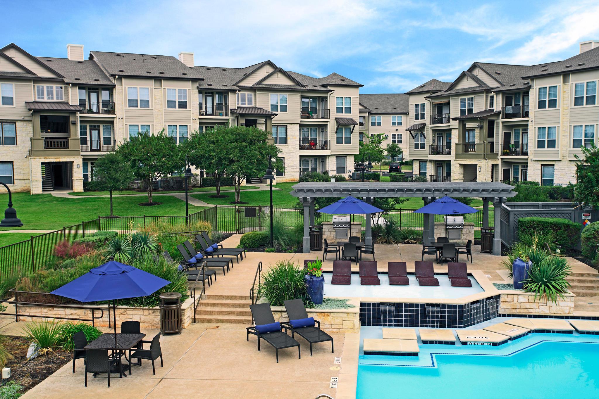 Camden Cedar Hills Apartments image 15