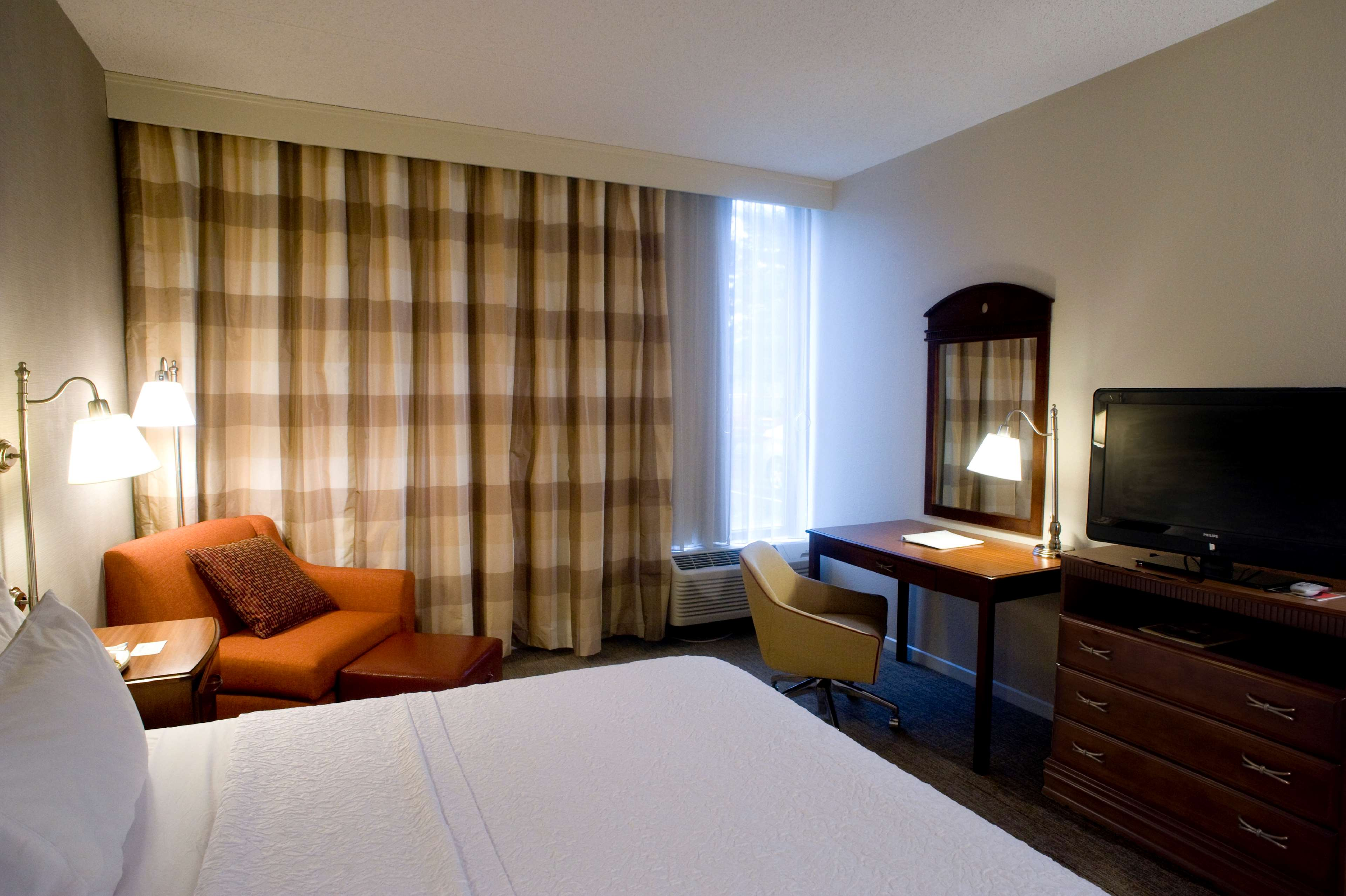 Hampton Inn Springfield-South image 21