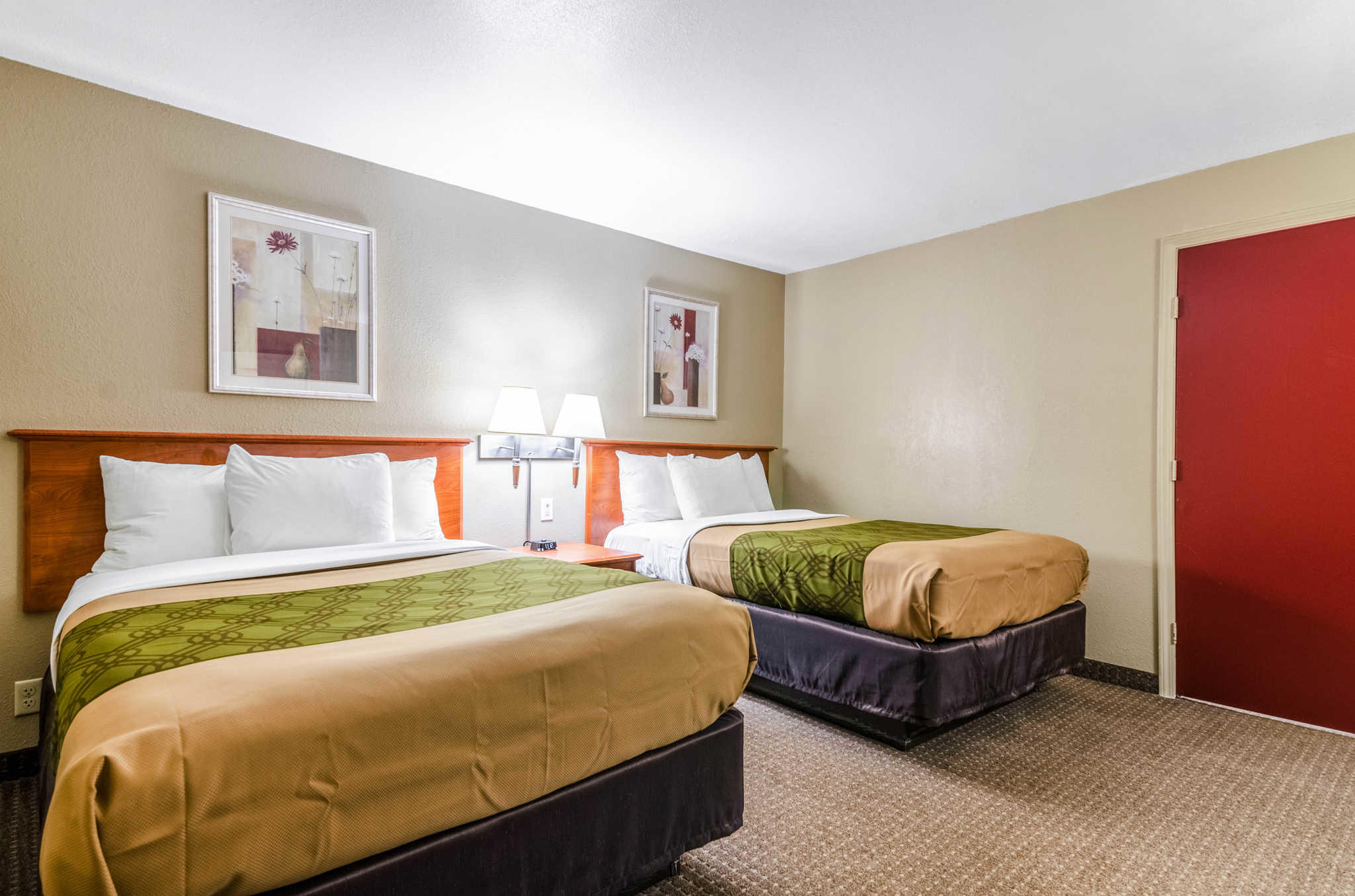 Econo Lodge  Inn & Suites I-35 at Shawnee Mission image 19