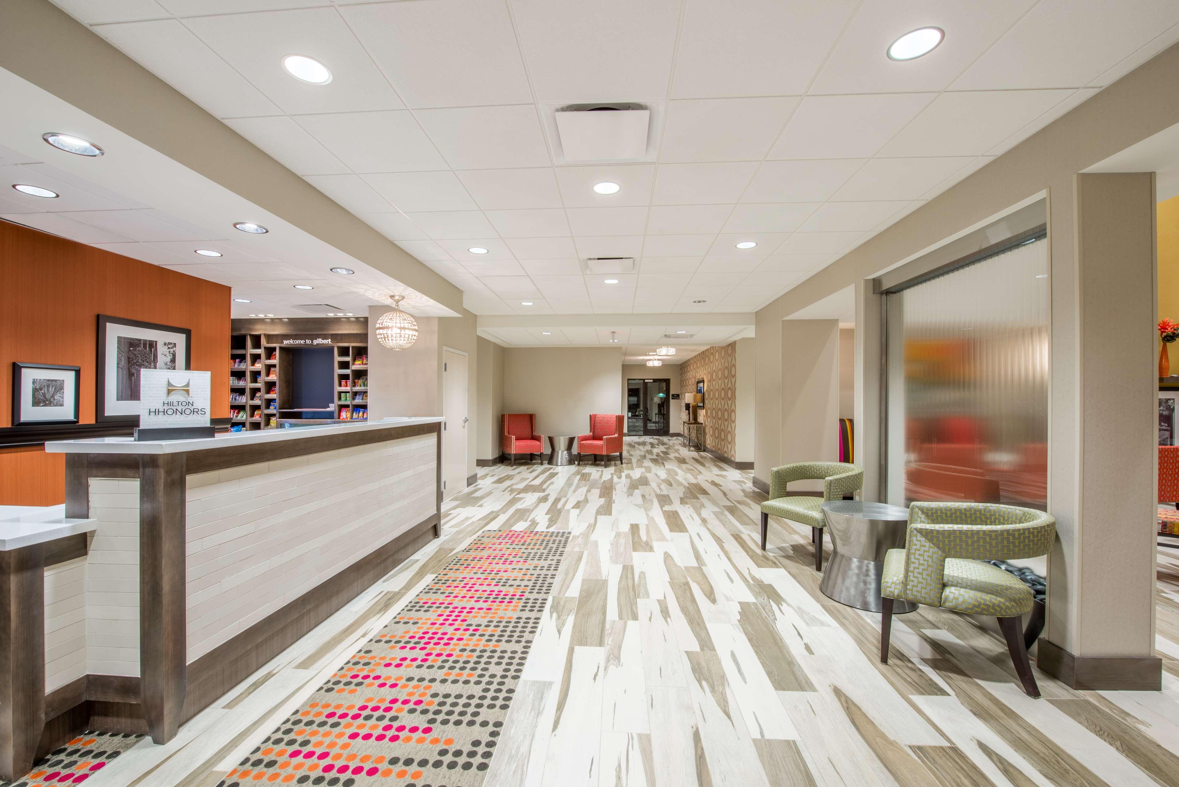 Hampton Inn & Suites Phoenix East Mesa image 5