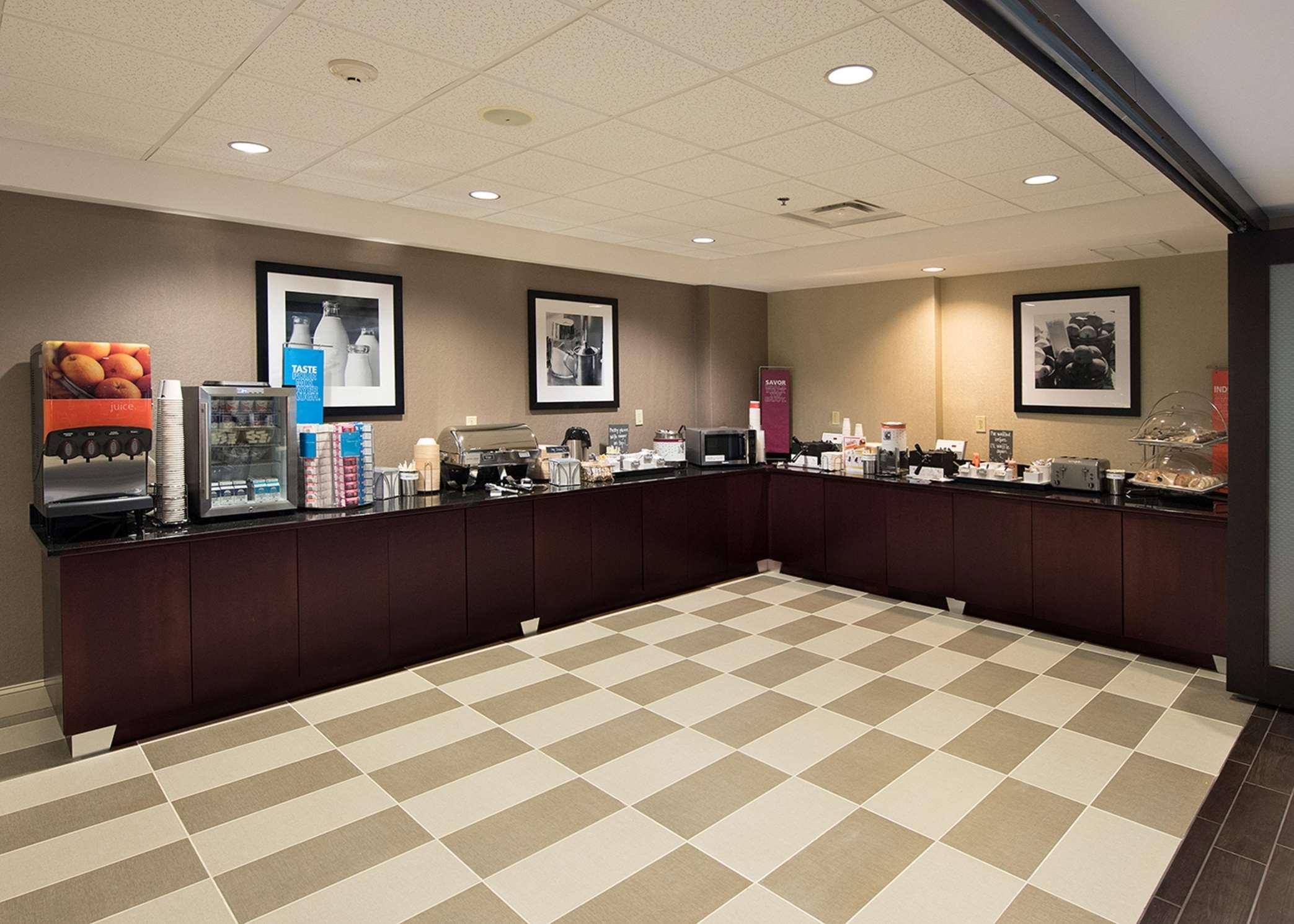 Hampton Inn Atlanta/Fayetteville image 18