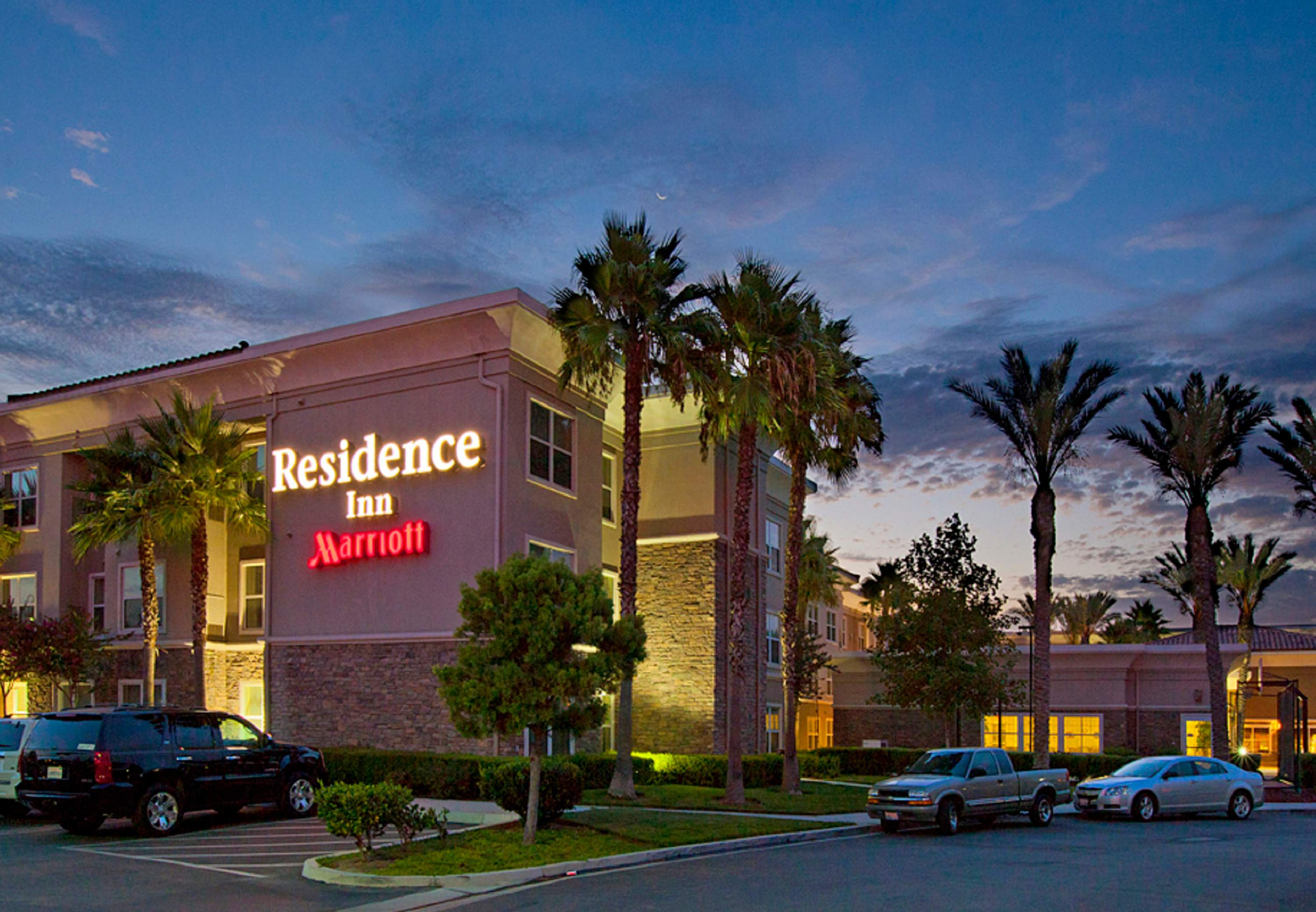 Hotels Near Corona Ca
