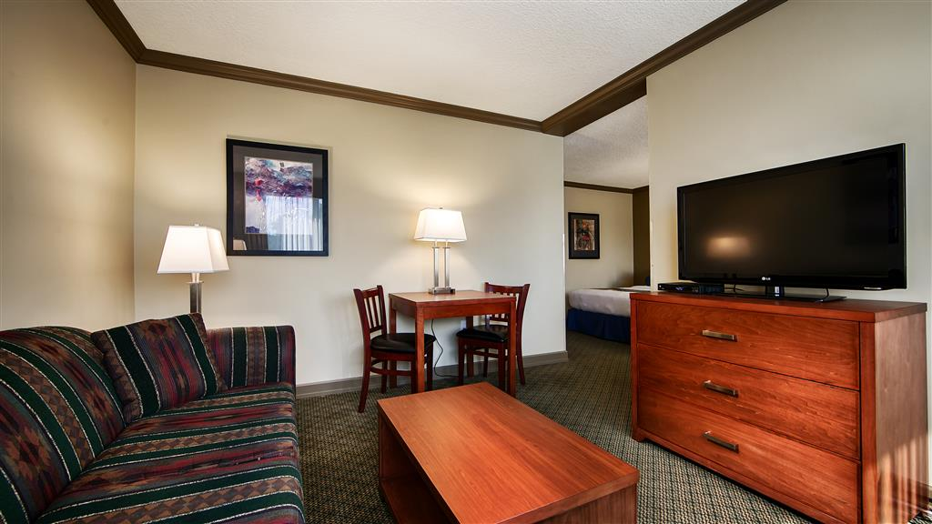 Best Western Plus Barclay Hotel in Port Alberni: Guest Room