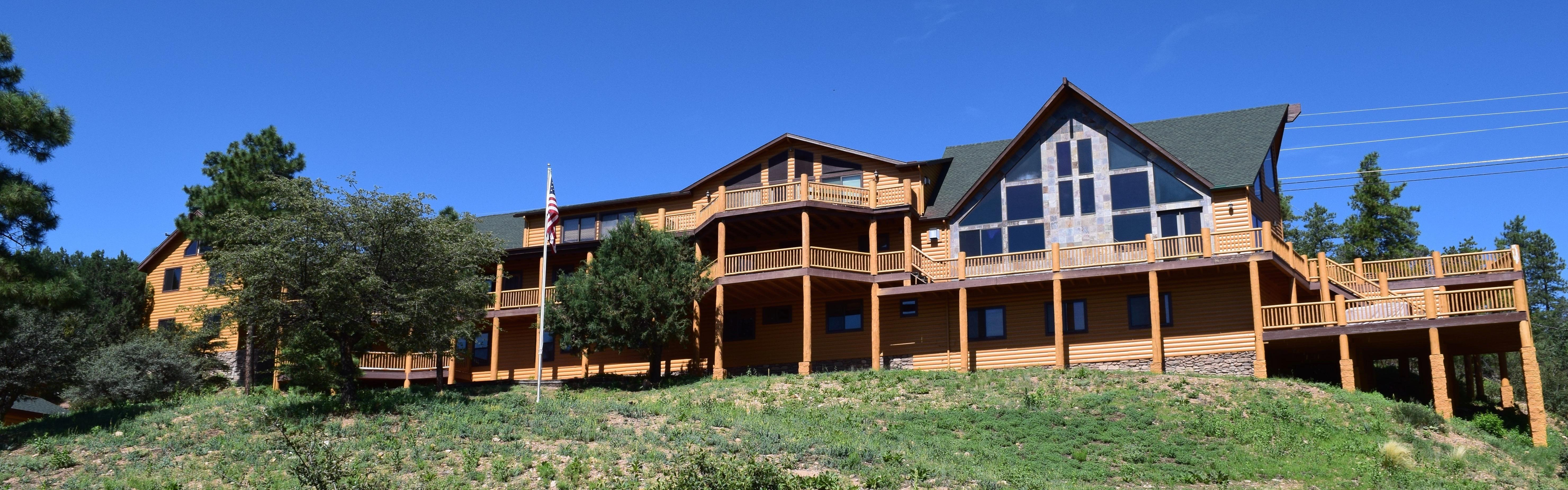 Arrowhead Lodge image 3
