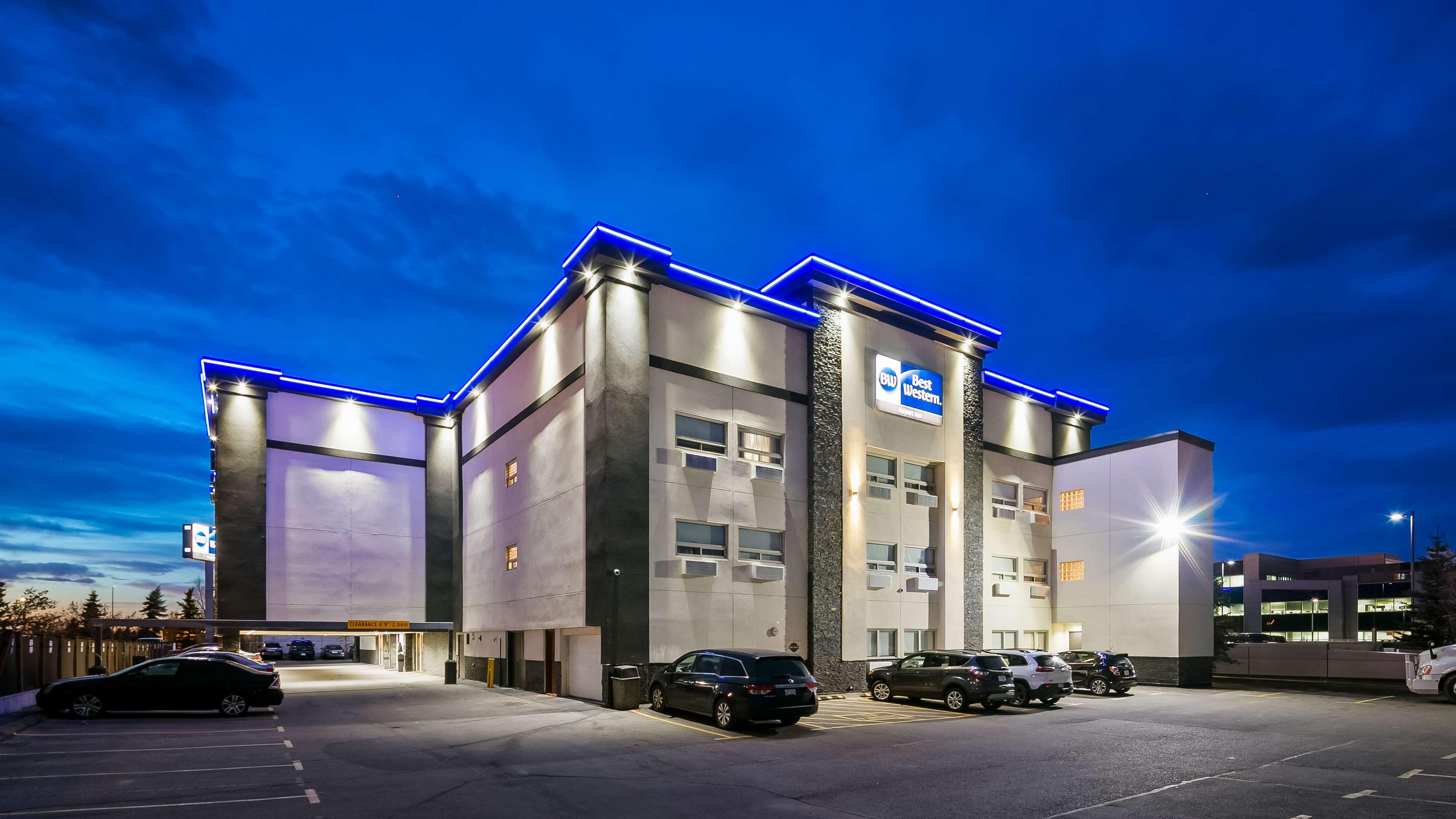 Best Western Airport Inn in Calgary: Hotel Exterior