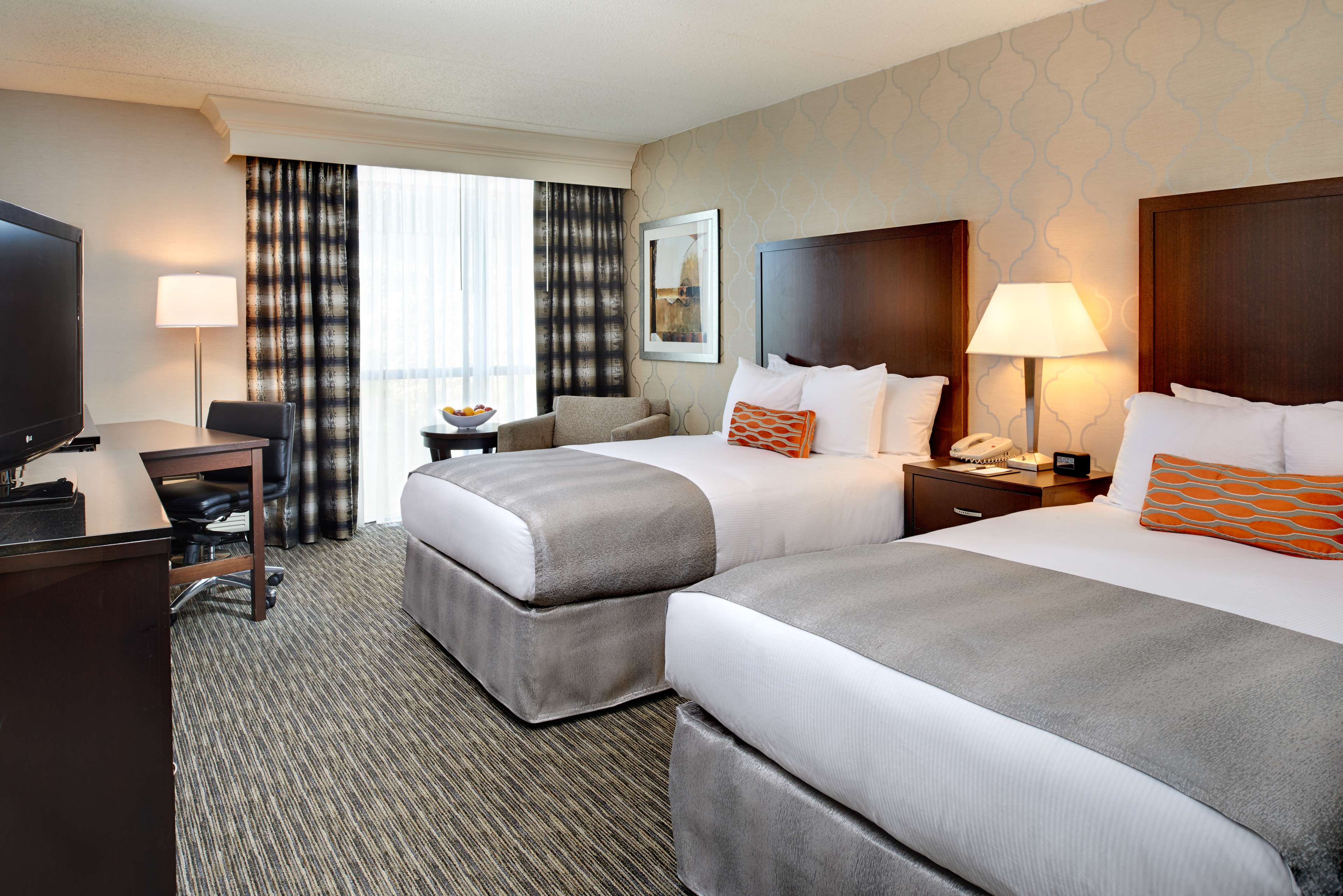 DoubleTree by Hilton Hotel Detroit - Dearborn image 16