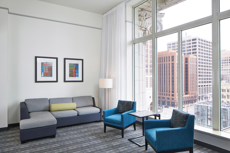 Residence Inn by Marriott Milwaukee Downtown image 11
