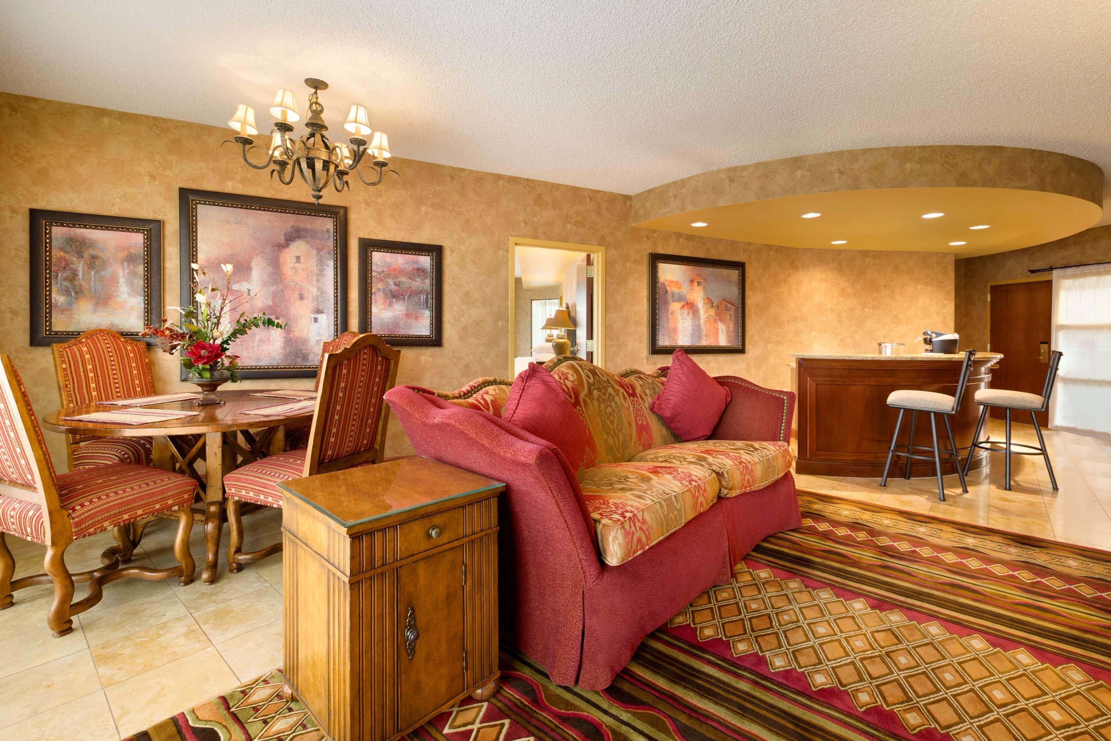 Embassy Suites by Hilton Albuquerque Hotel & Spa image 16