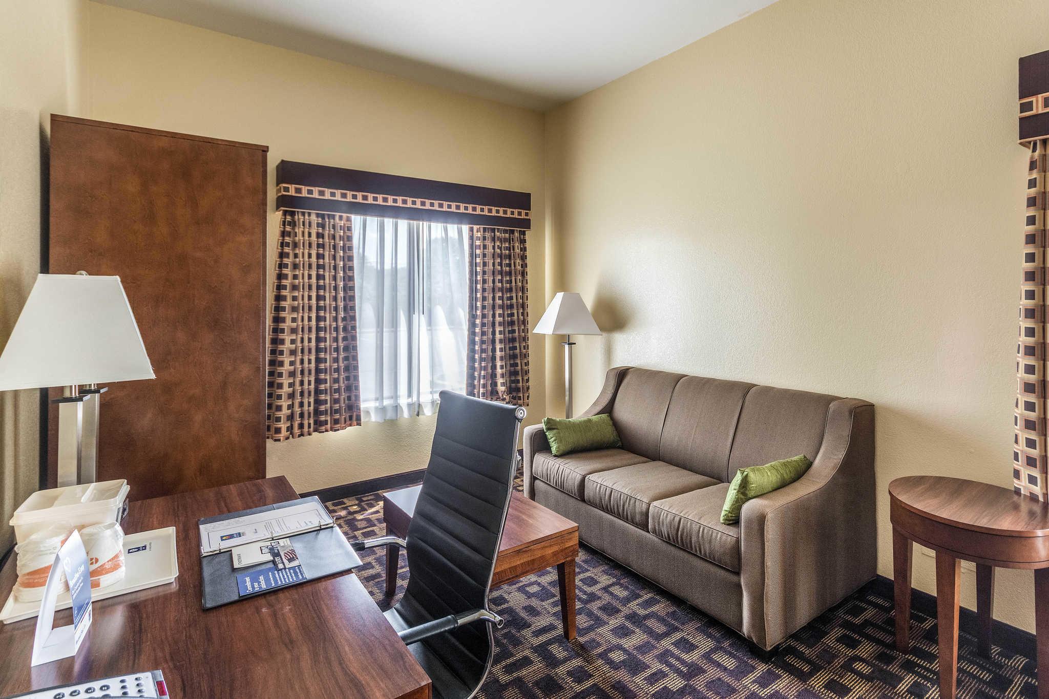 Comfort Inn & Suites North Aurora - Naperville image 27