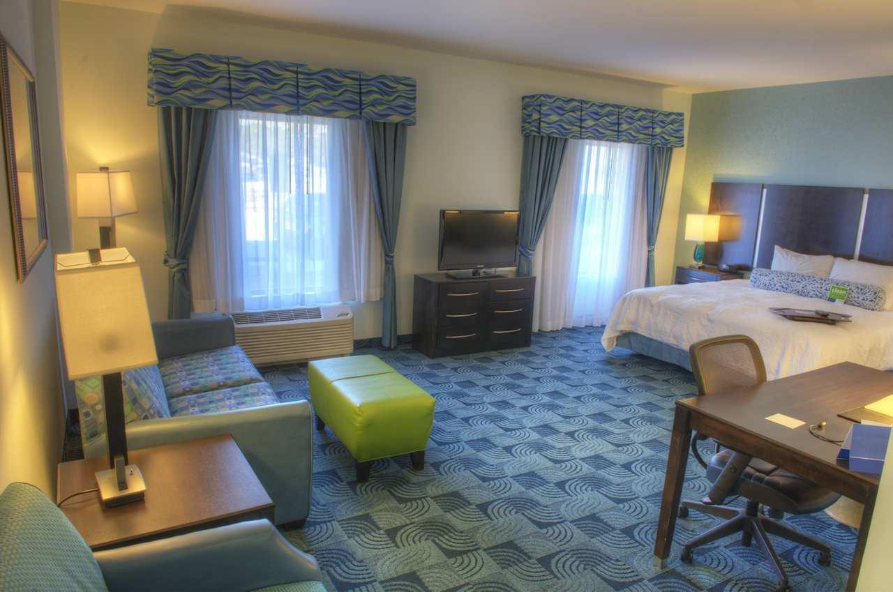 Hampton Inn & Suites Dallas/Lewisville-Vista Ridge Mall, TX image 24