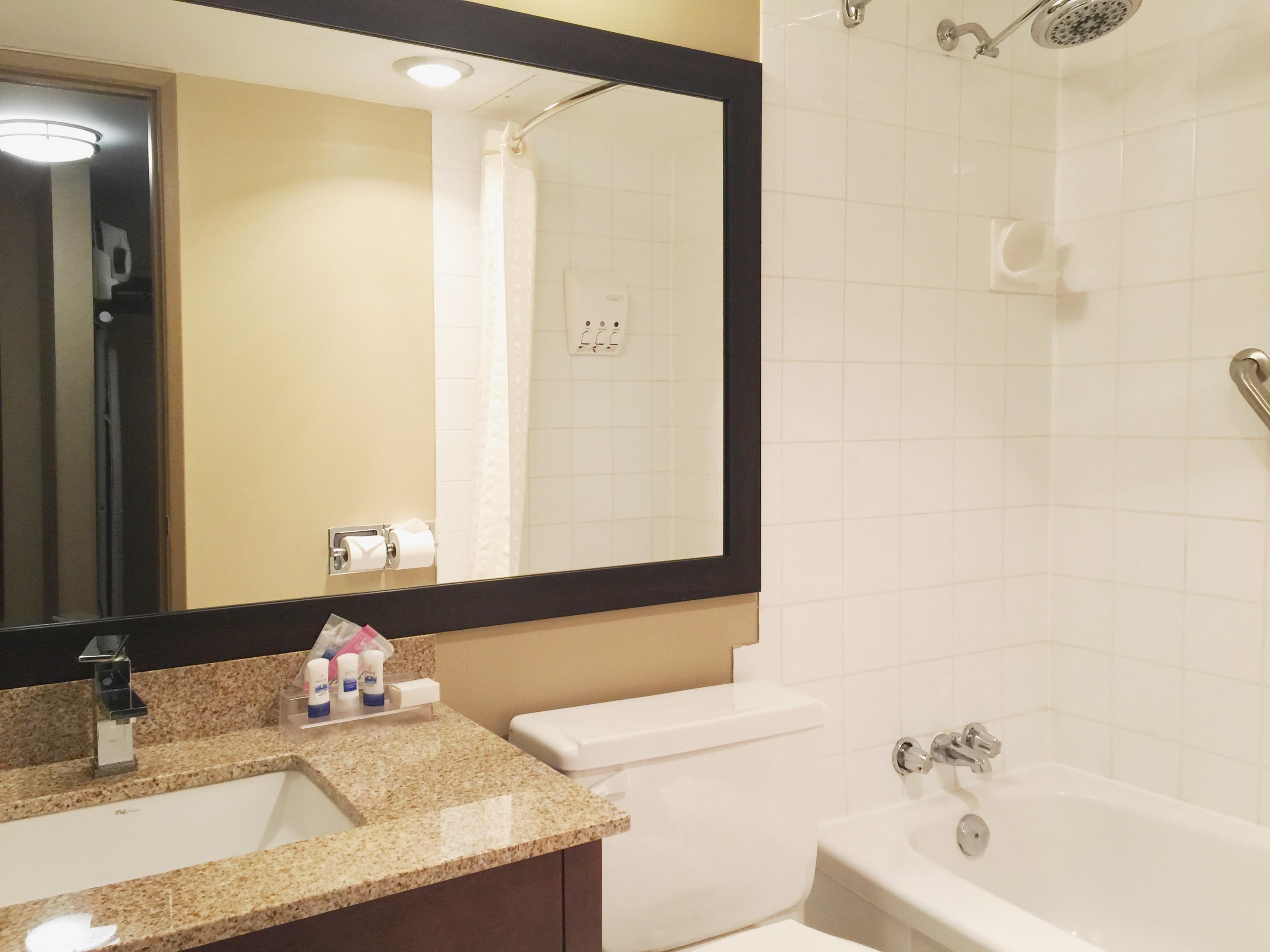 Best Western Terrace Inn in Terrace: Bathroom