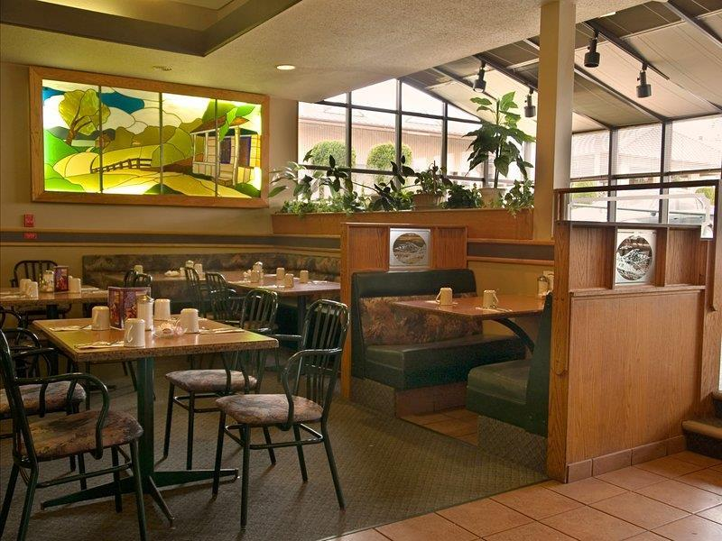Best Western Bakerview Inn in Abbotsford: Crossroads Restaurant