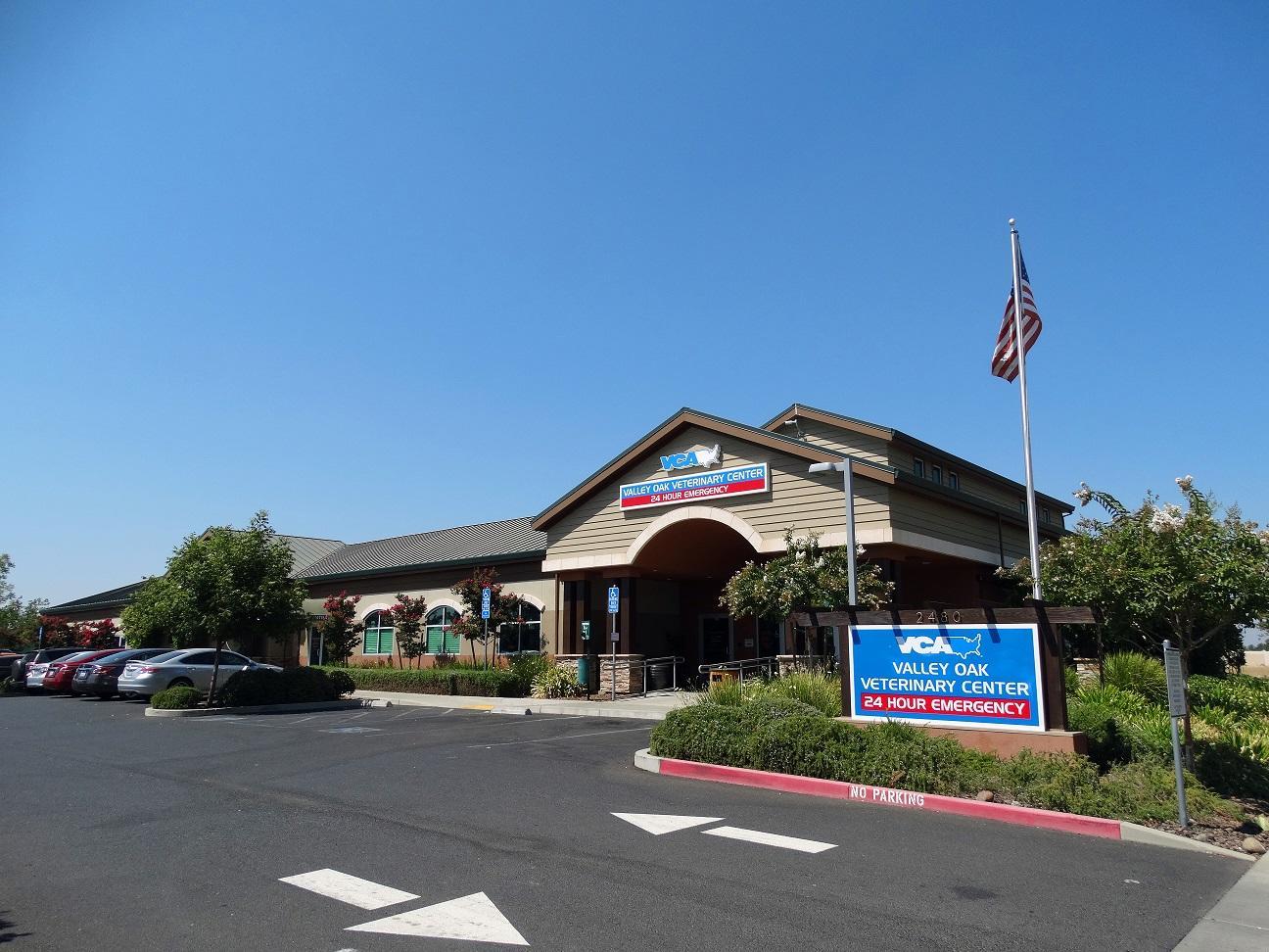 VCA Valley Oak Veterinary Center image 1