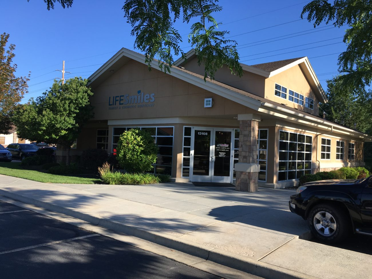 LIFESmiles Family and Cosmetic Dentistry | 13108 W Persimmon Ln, Boise, ID, 83713 | +1 (208) 377-2160
