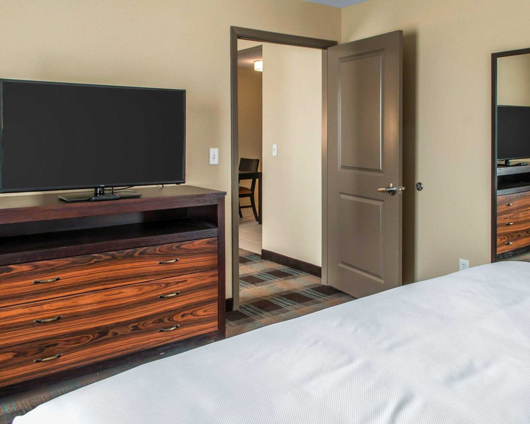 MainStay Suites image 22