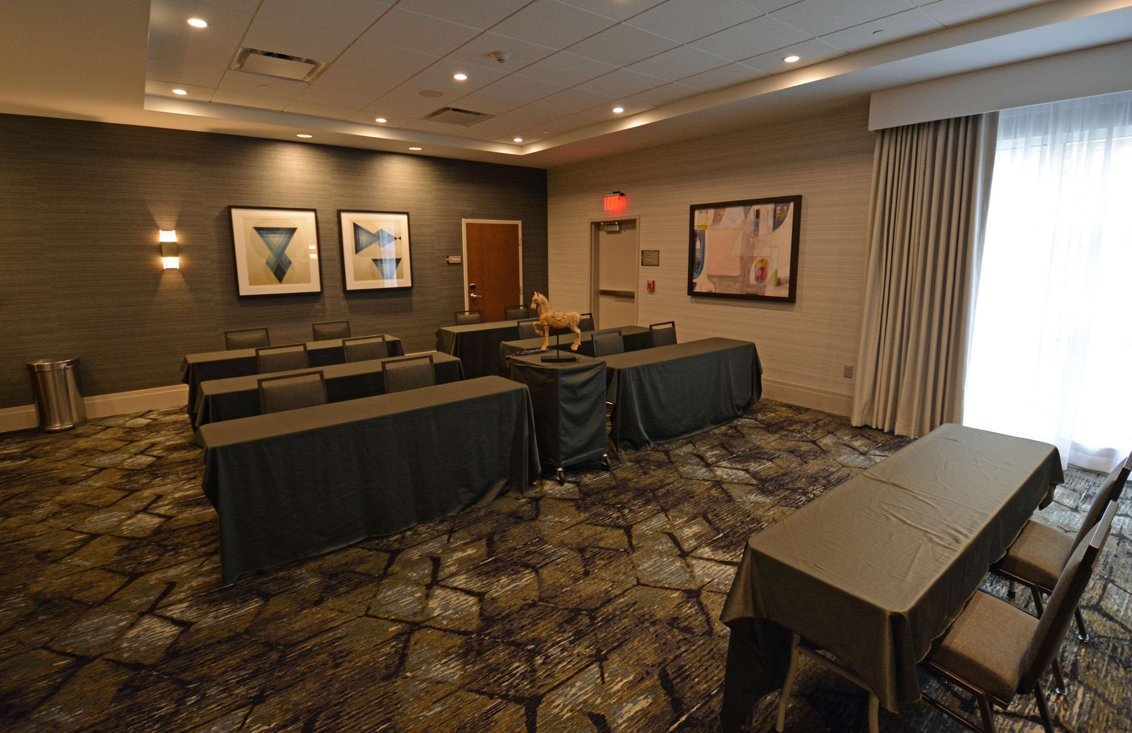 Homewood Suites by Hilton Saratoga Springs image 2