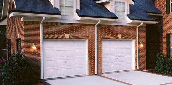 Aaron 39 s garage door service san antonio tx garage for Aaron garage door repair