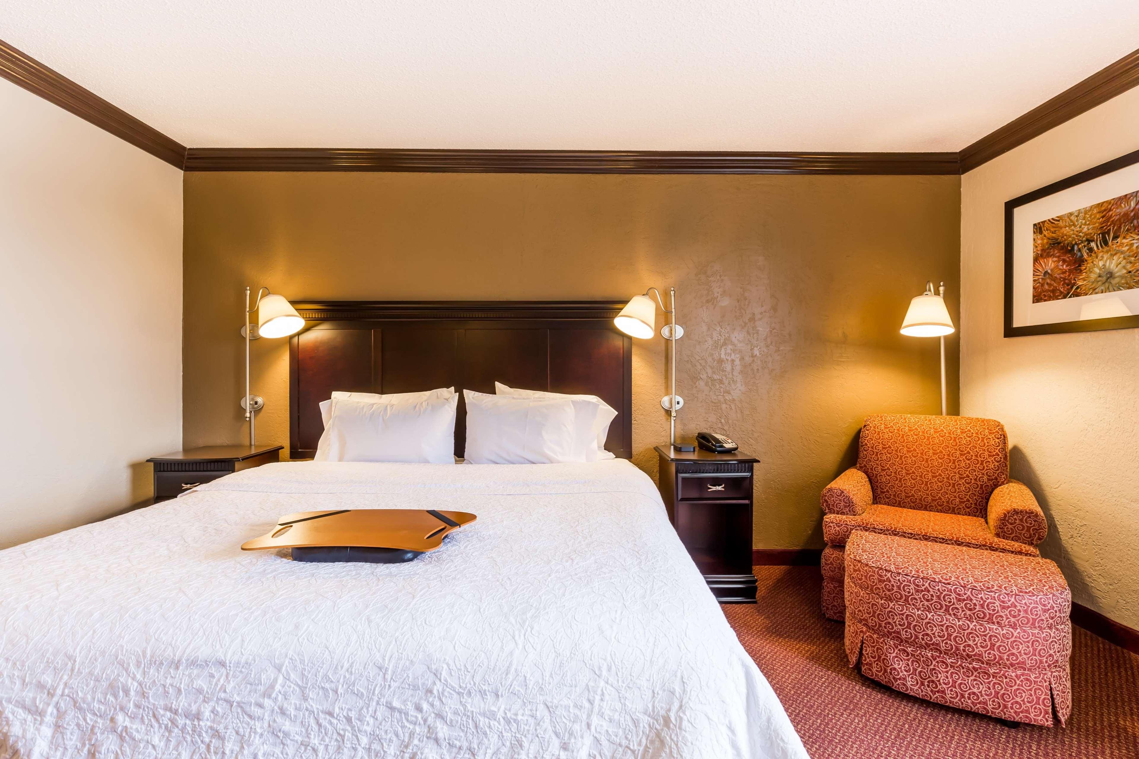 Hampton Inn & Suites Chicago/Hoffman Estates image 41