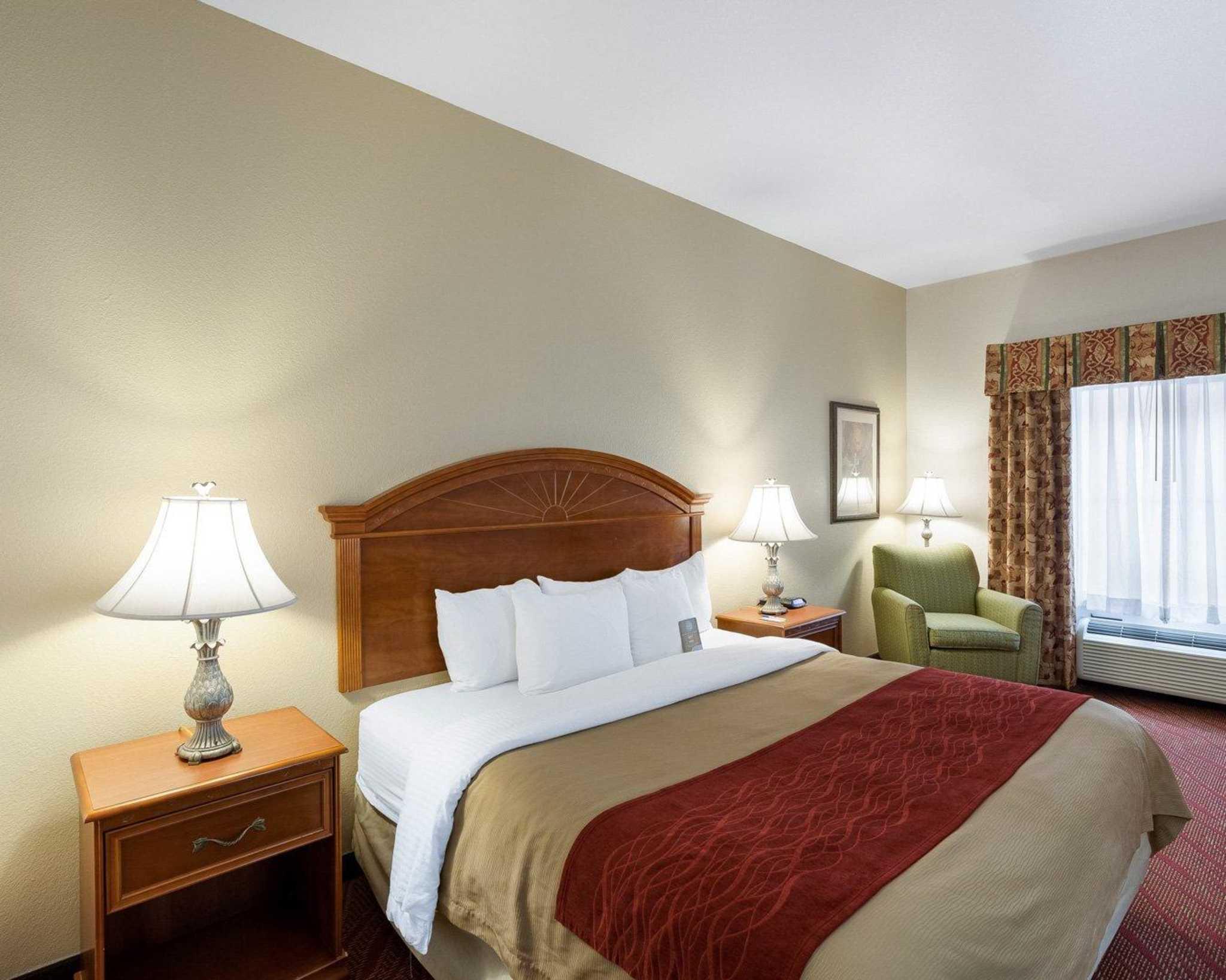 Comfort Inn & Suites Near Medical Center image 17