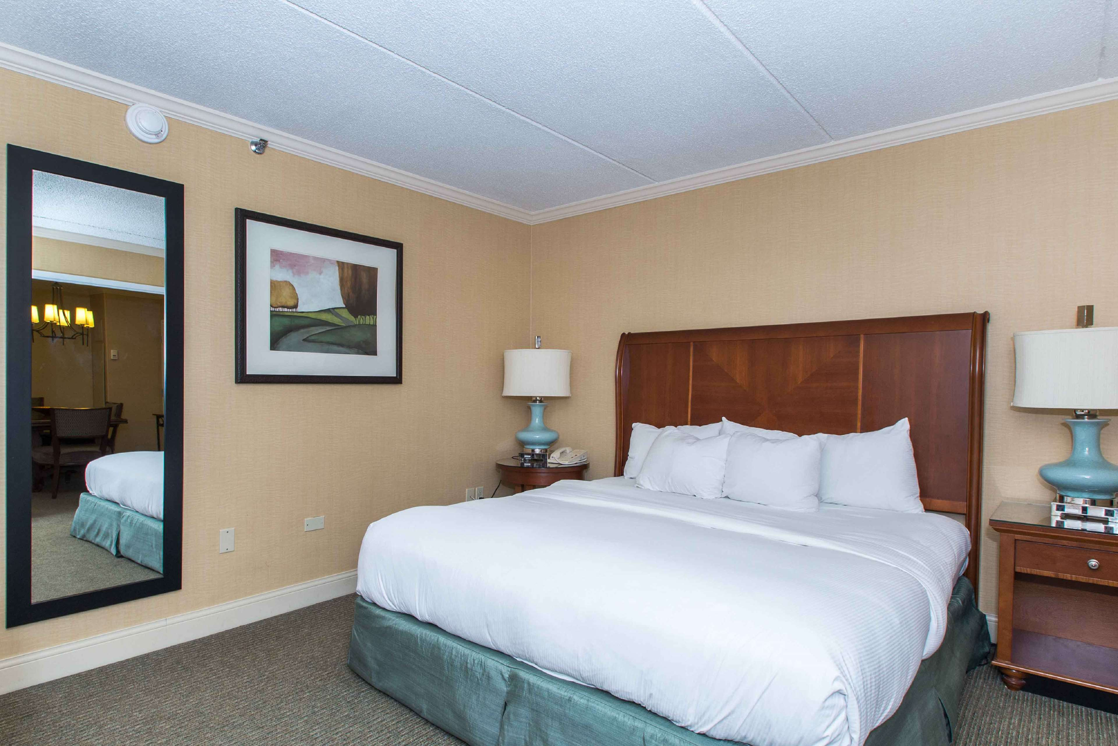 DoubleTree by Hilton Hotel Cleveland East Beachwood image 39