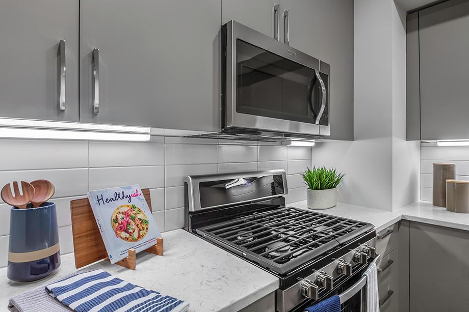 Camden Washingtonian Apartments image 2