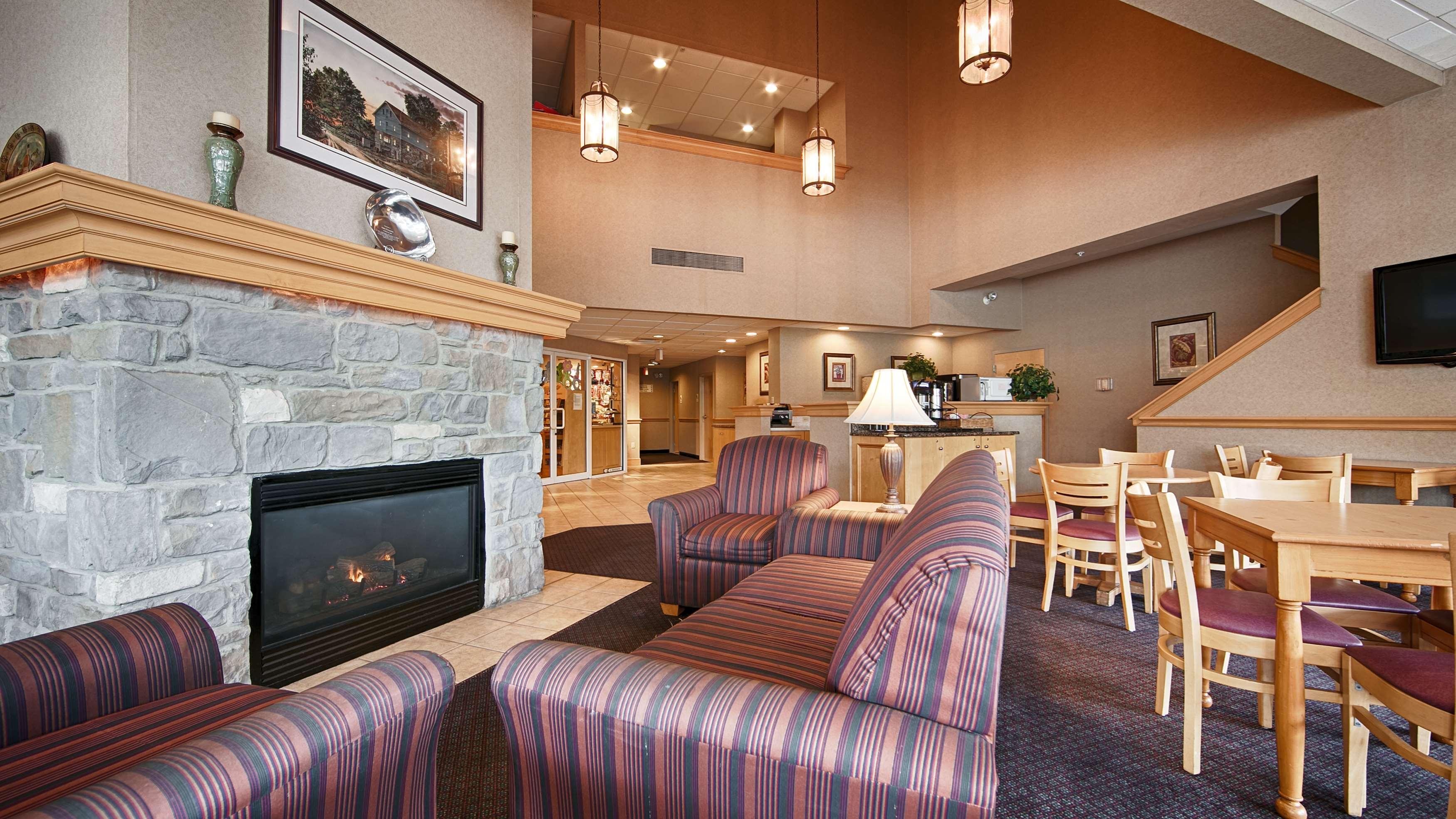 Best Western Plus Revere Inn & Suites image 2