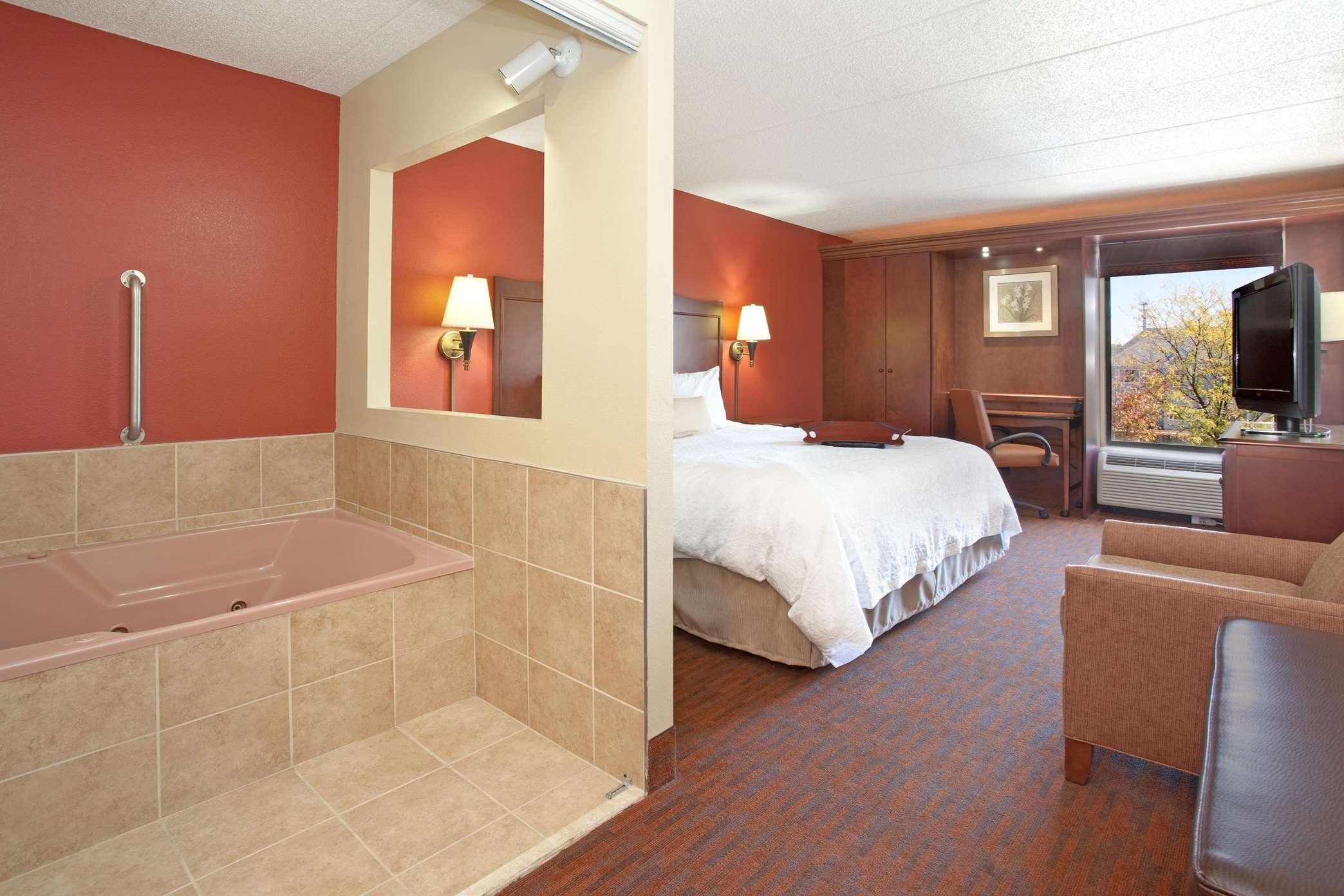 Hampton Inn Cincinnati-Kings Island image 0