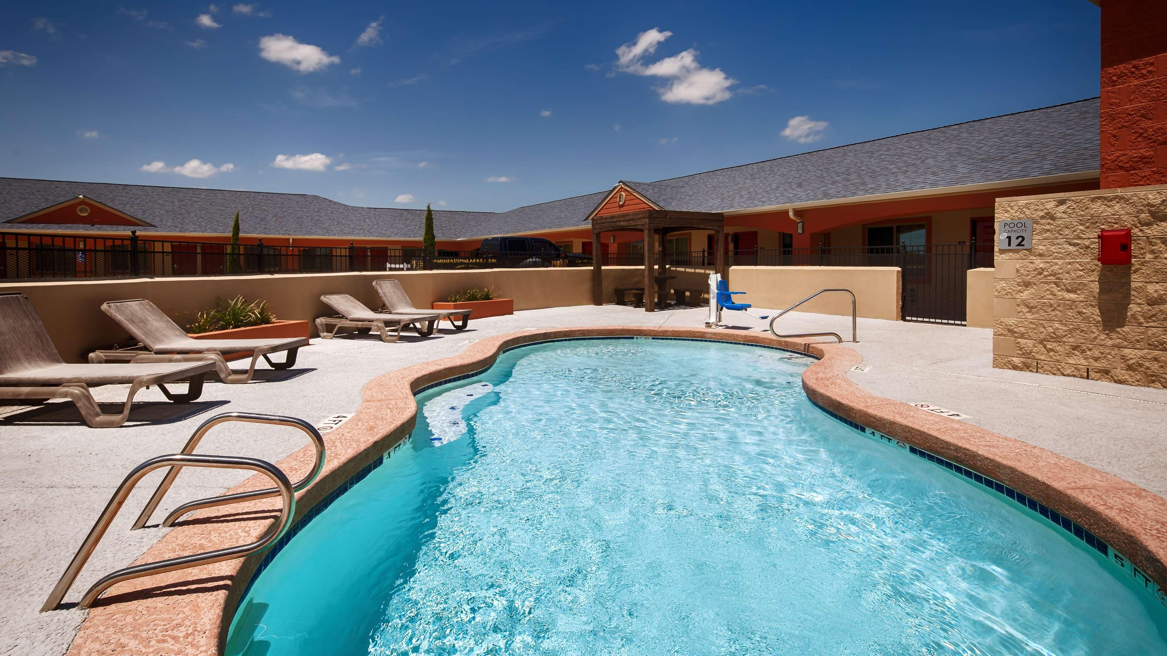 Best Western Windwood Inn & Suites image 4