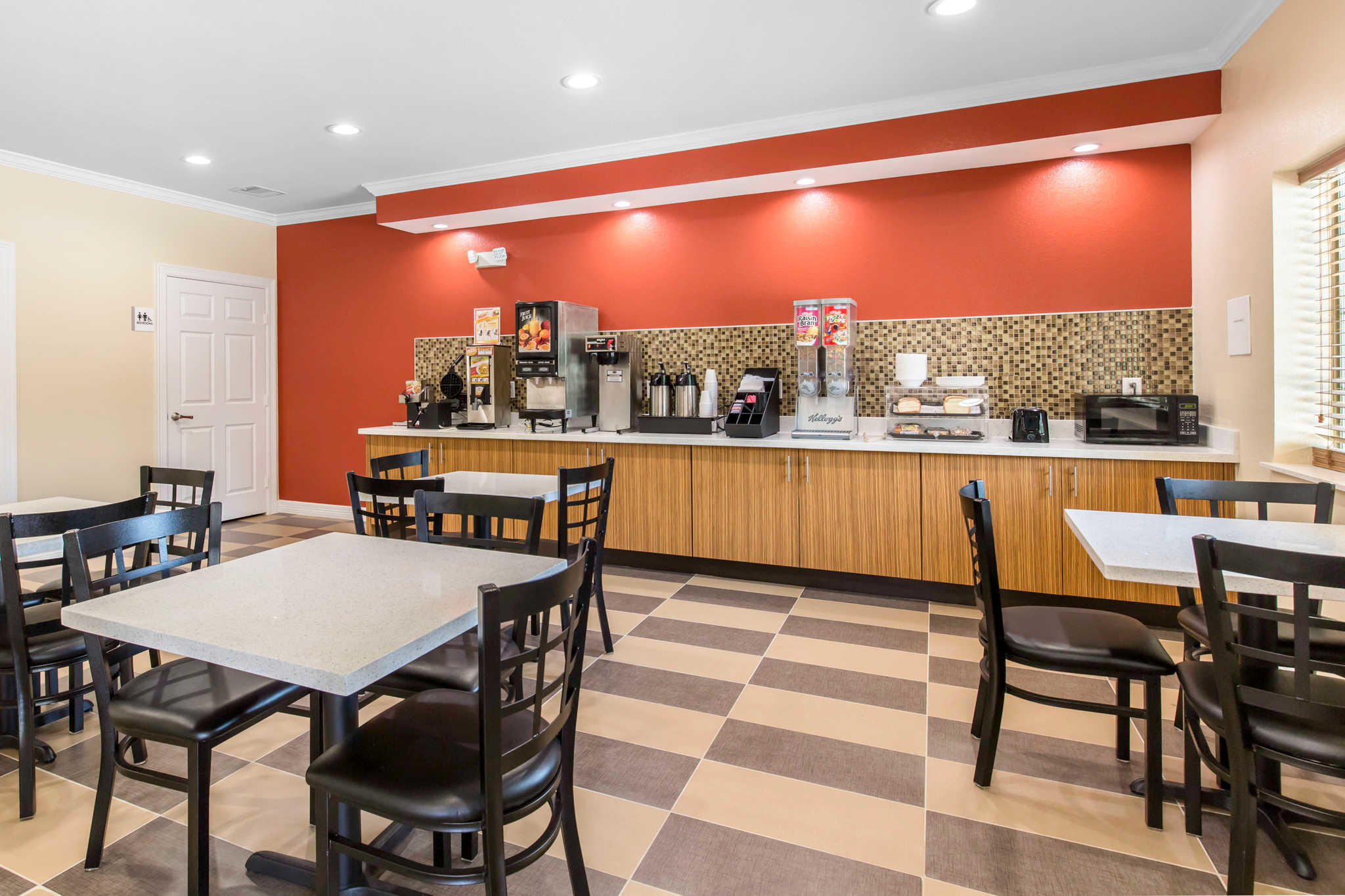 Econo Lodge Inn & Suites Spring - Houston North image 19