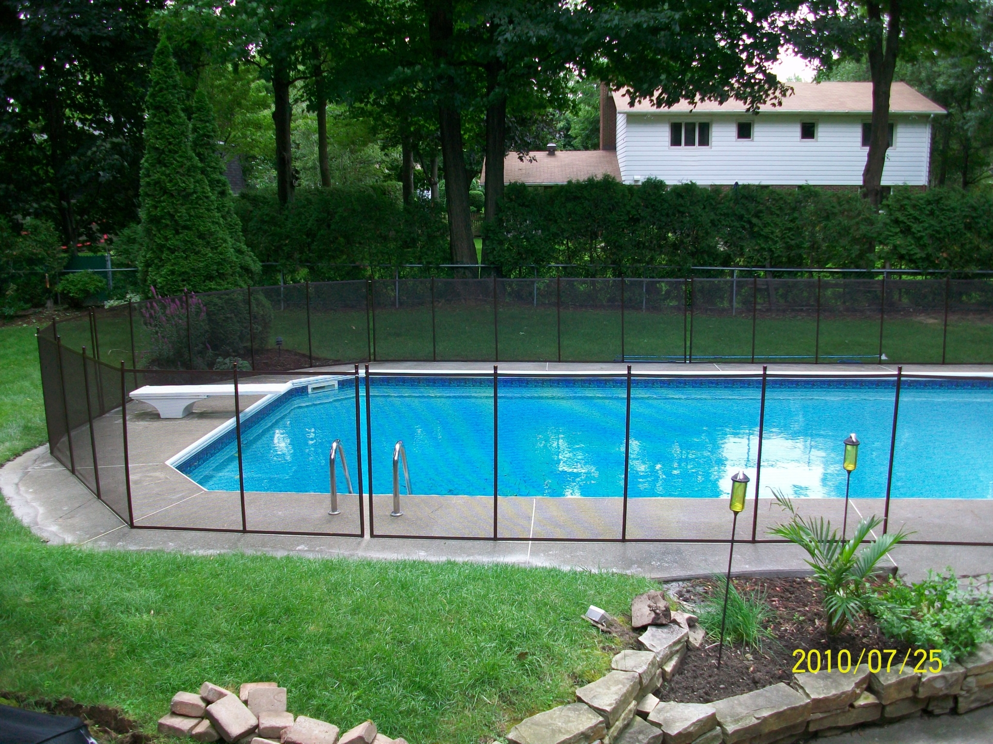Cl tures amovibles pool guard montr al qc ourbis for Cloture amovible piscine