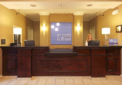 Holiday Inn Express & Suites Camden image 3