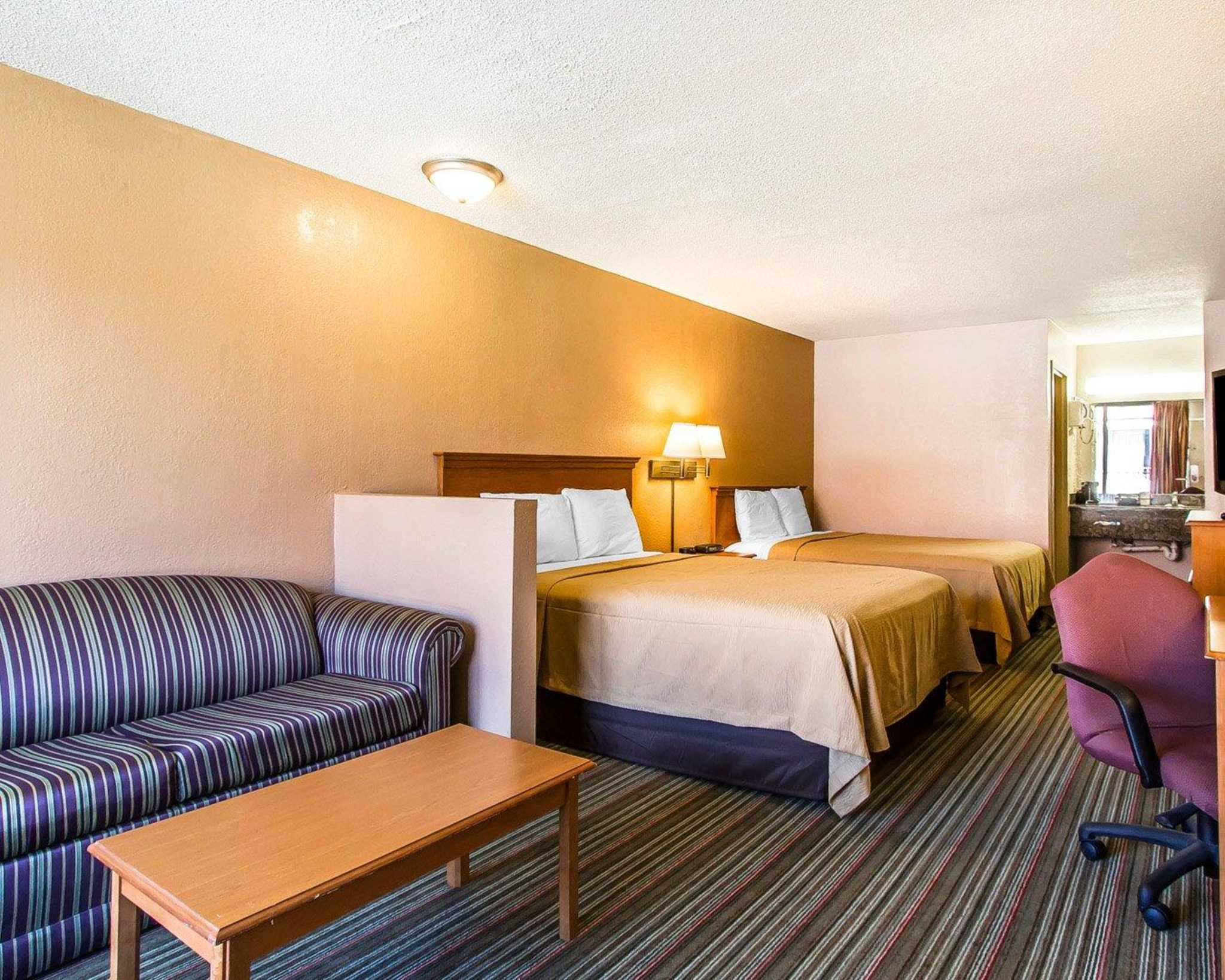 Econo Lodge  Inn & Suites Near Bricktown image 30