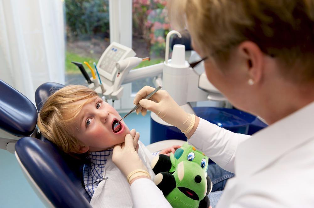 Royal Dental image 0