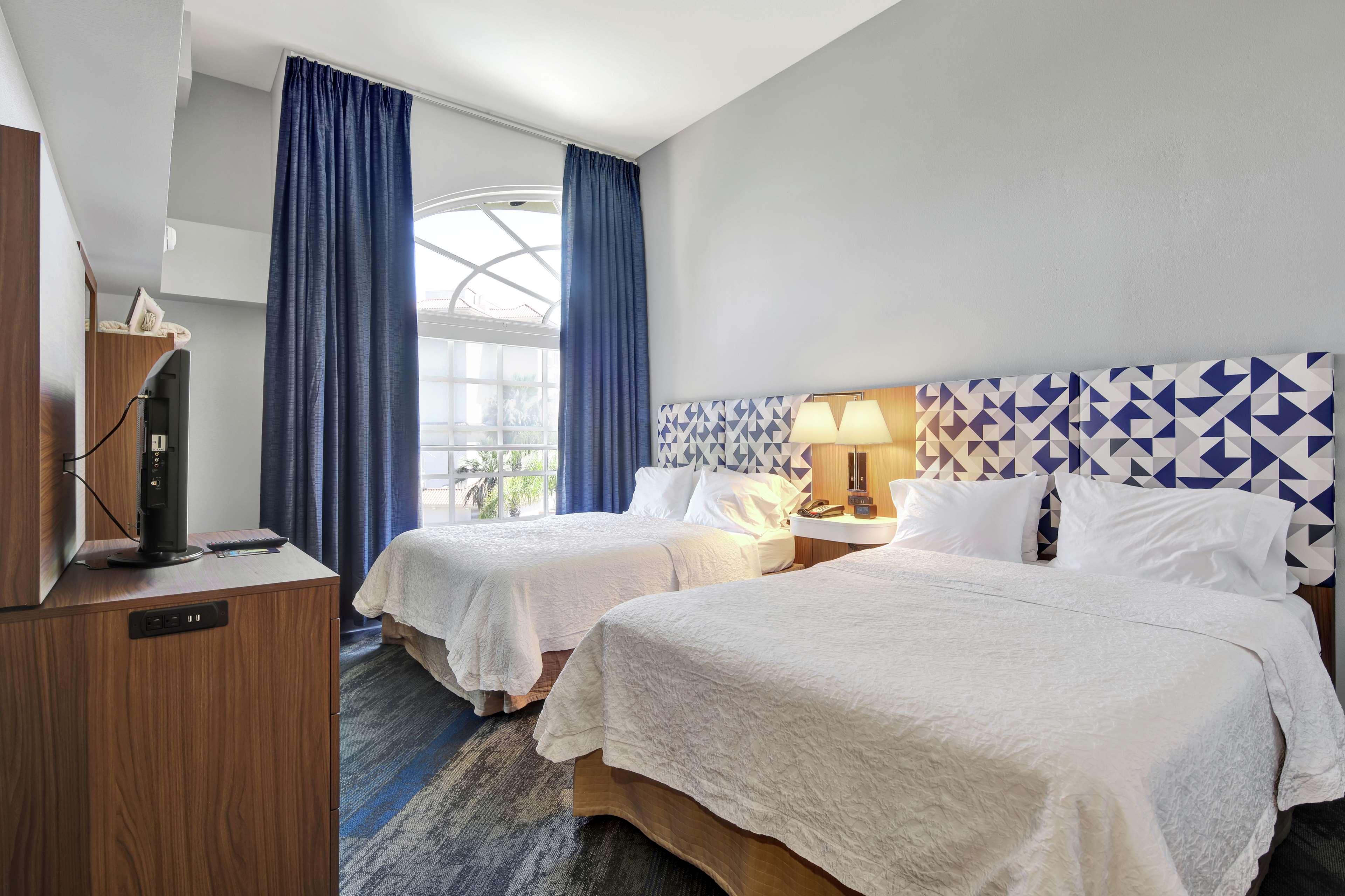 Hampton Inn & Suites Santa Ana/Orange County Airport in Santa Ana, CA, photo #32