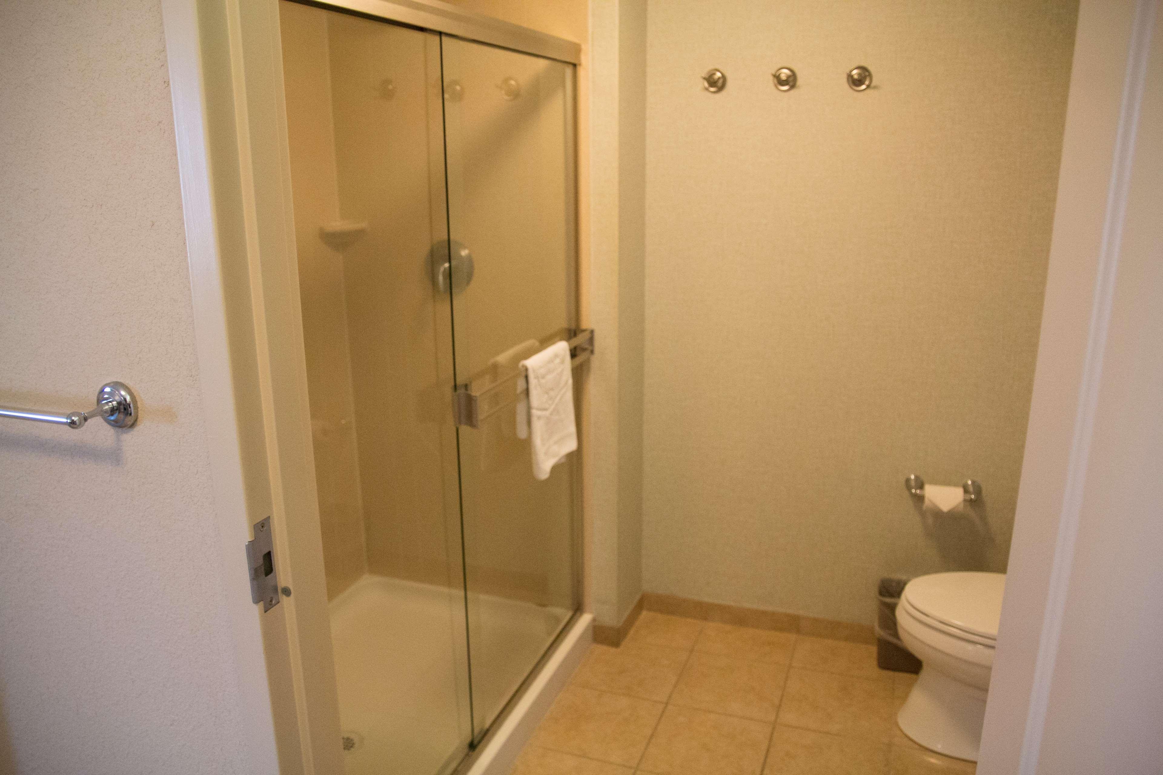Hampton Inn & Suites Madera image 16