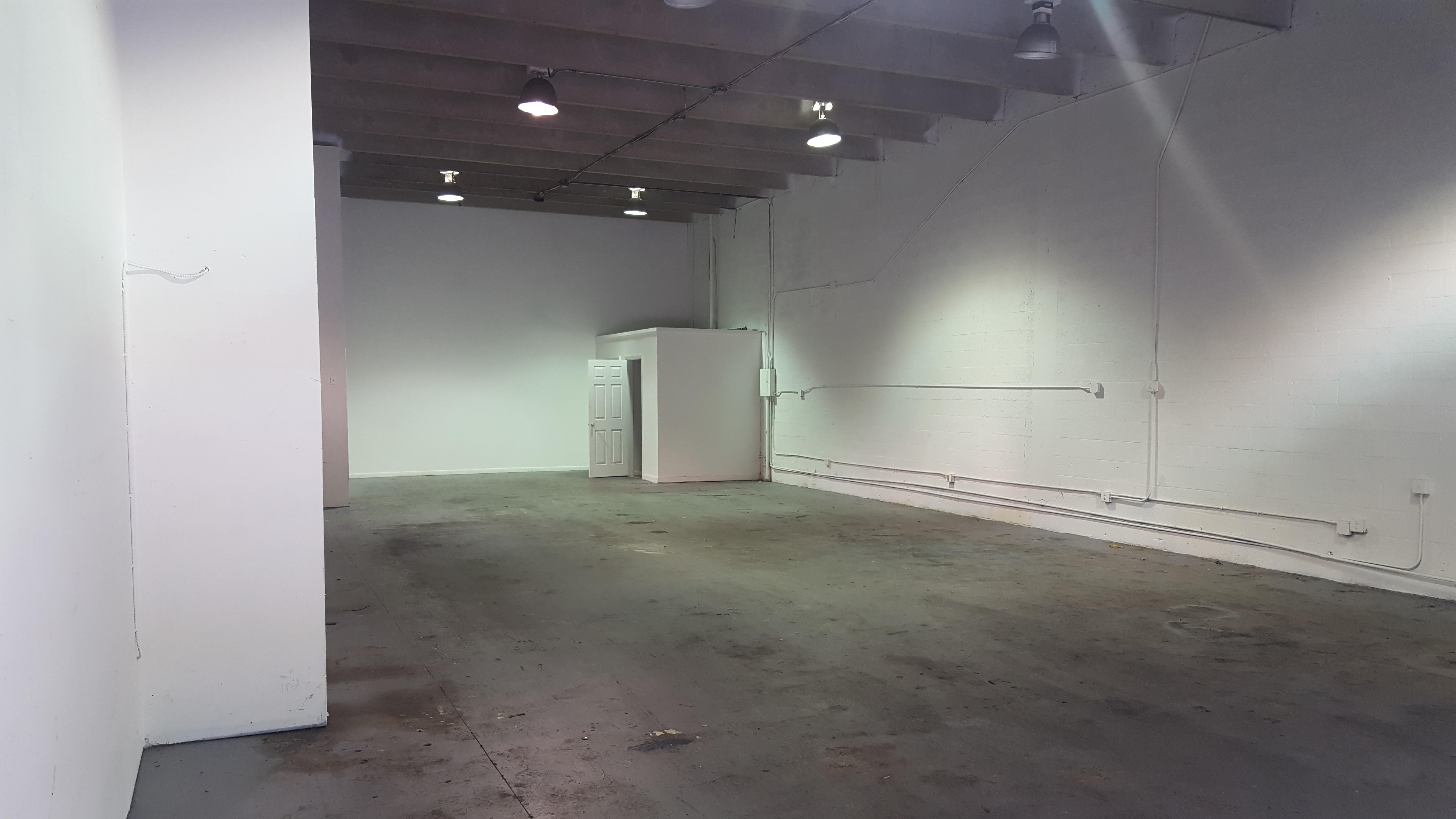Warehouse for Rent in Miami image 19