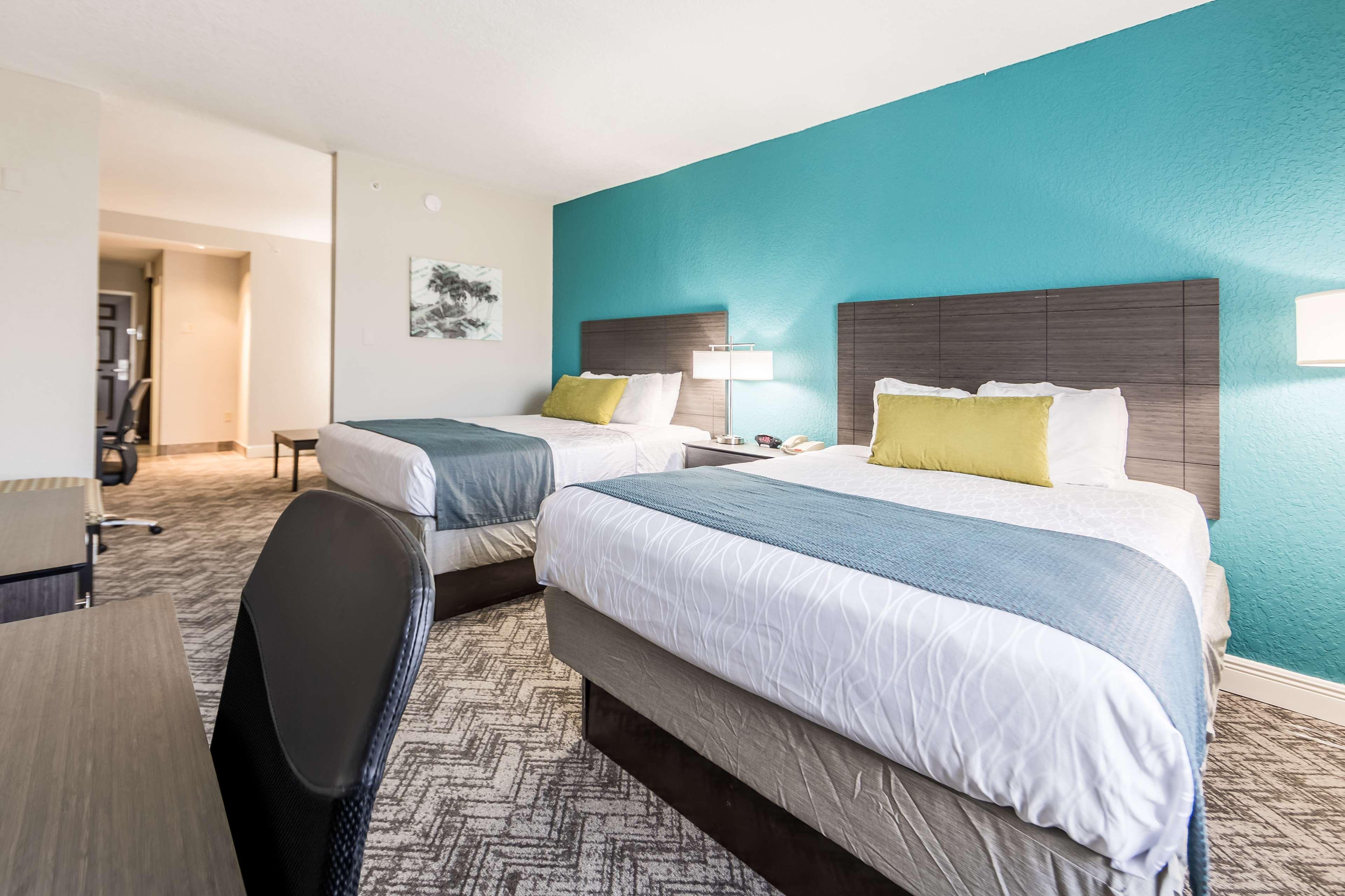 Best Western Plus Sebastian Hotel & Suites image 33