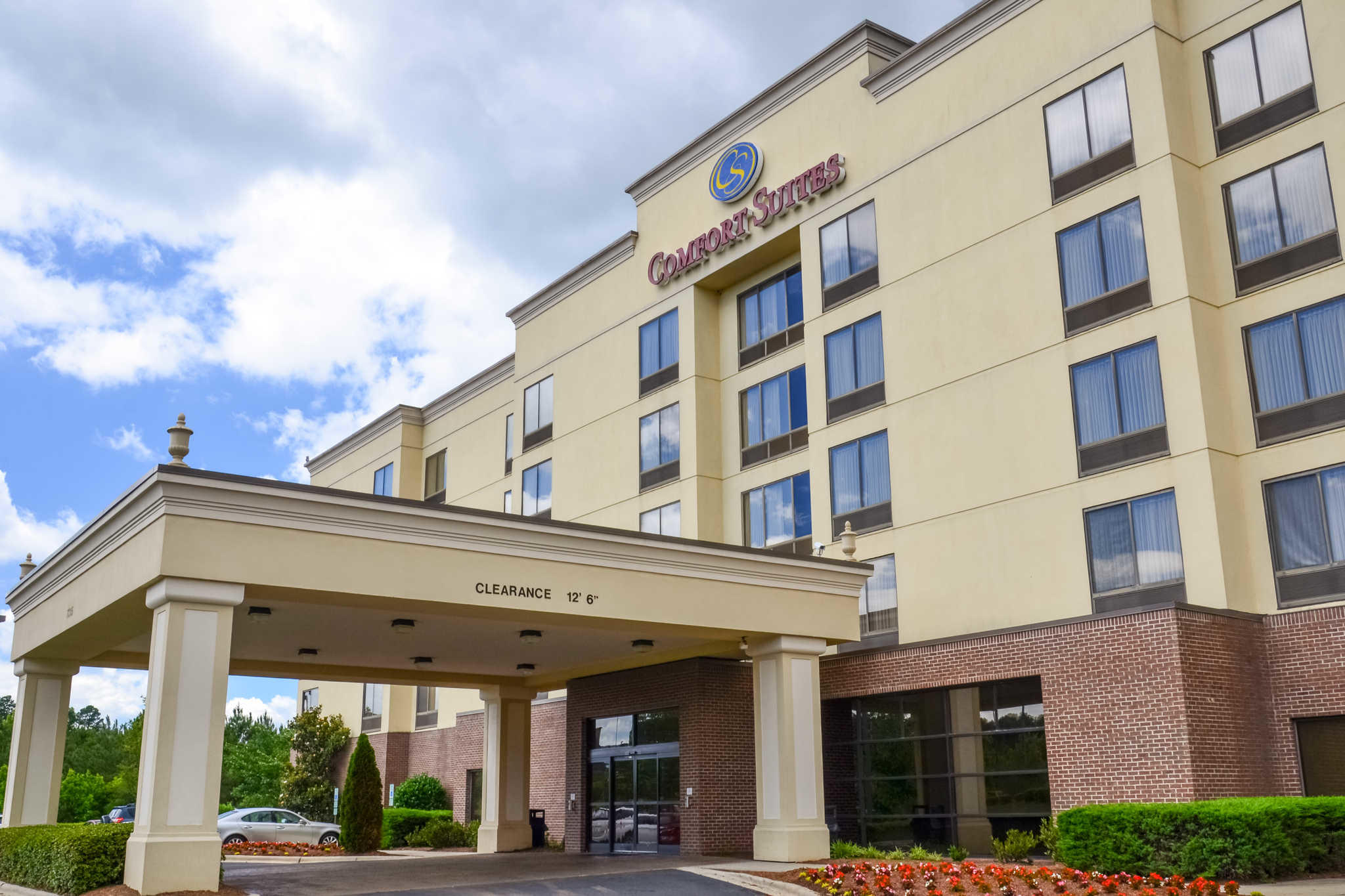 Comfort suites northlake 7315 smith corners blvd for Hotels in charlotte nc near charlotte motor speedway