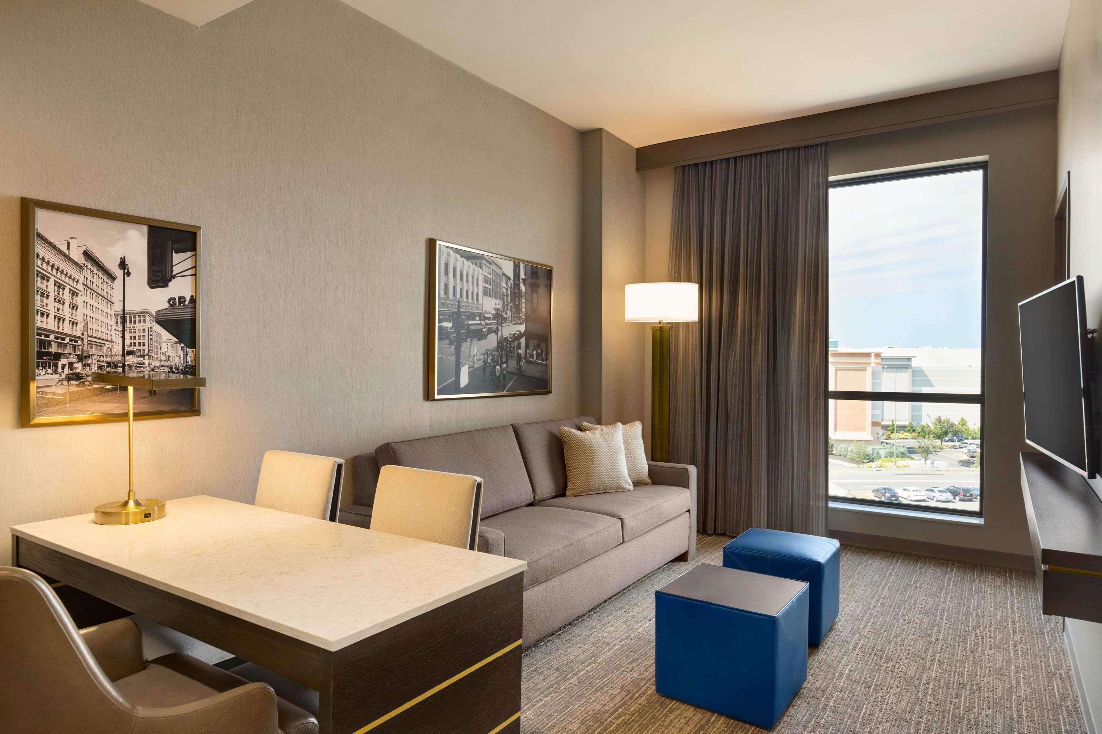Embassy Suites by Hilton Syracuse Destiny USA image 21
