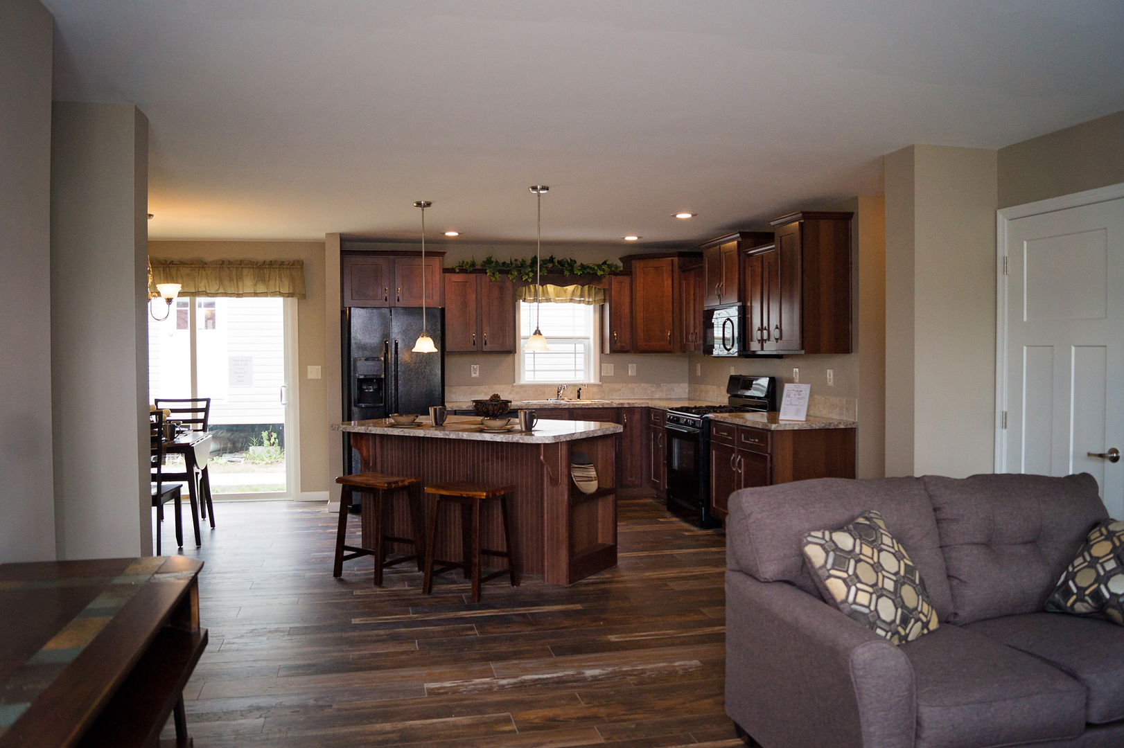 Peaceful Living Home Sales image 0