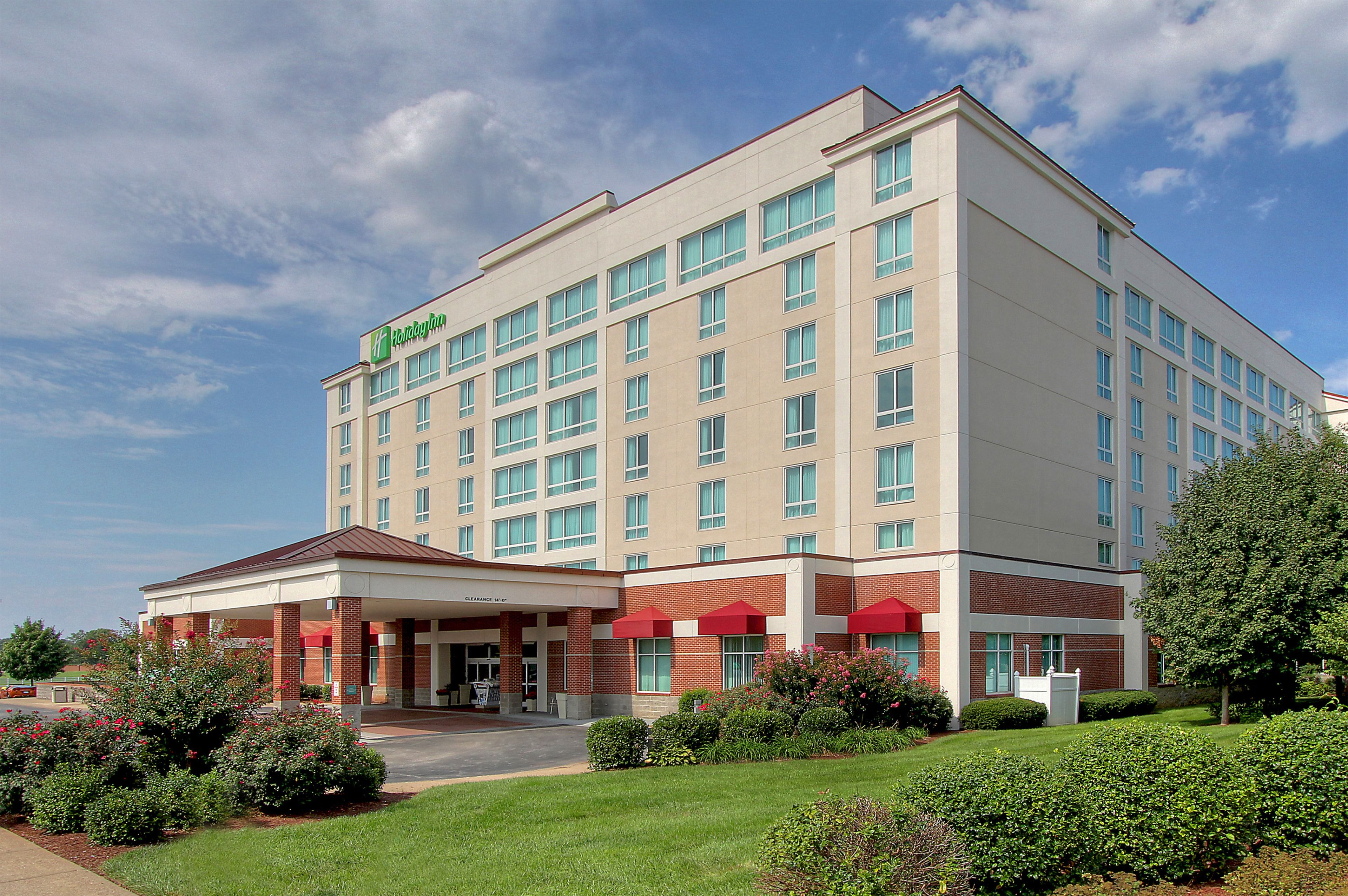 Holiday Inn University Plaza-Bowling Green image 4