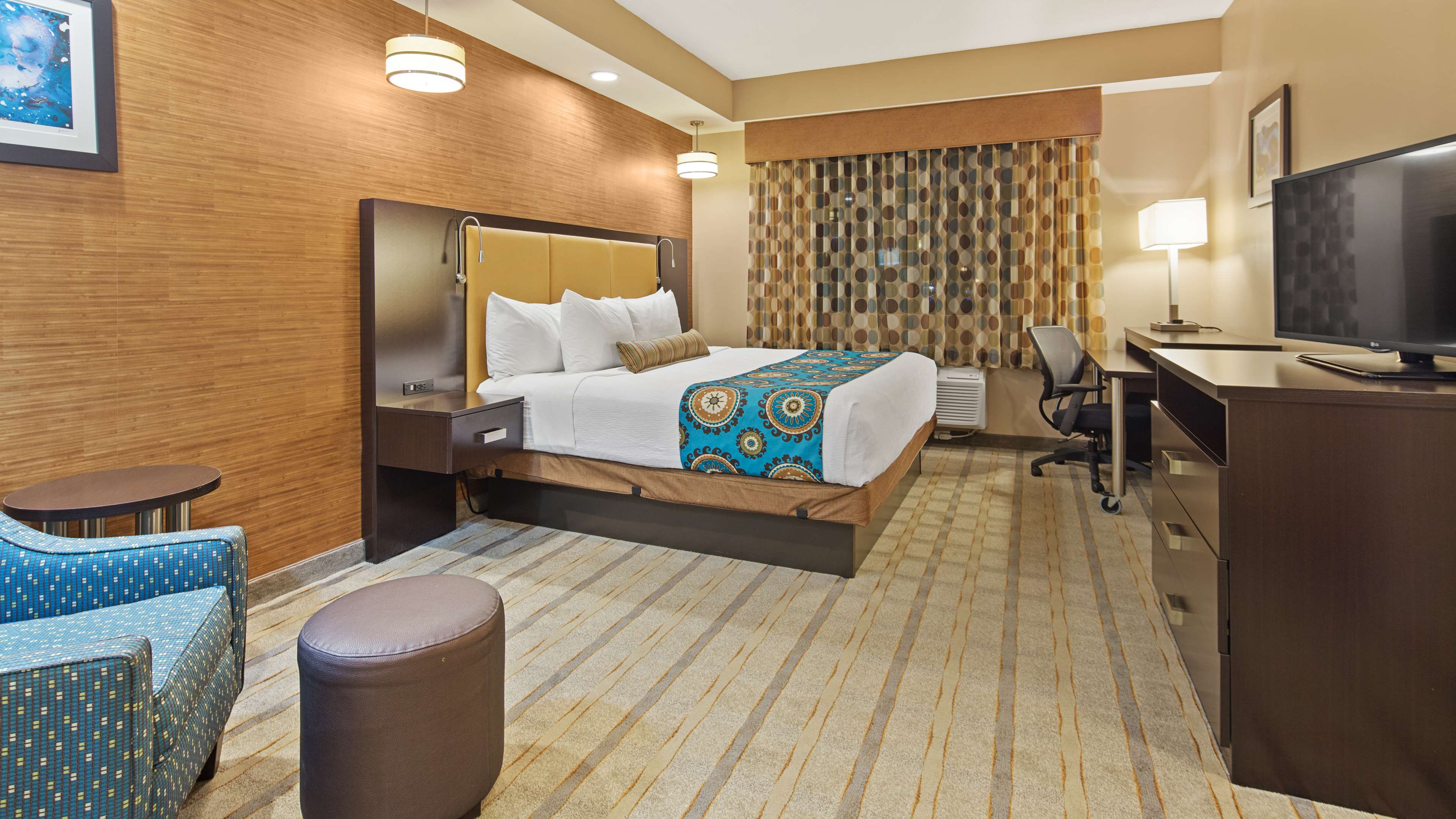 Best Western Plus Kendall Airport Hotel & Suites image 16